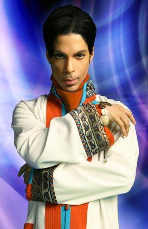 Prince går til søksmål mot flere nettsteder.
