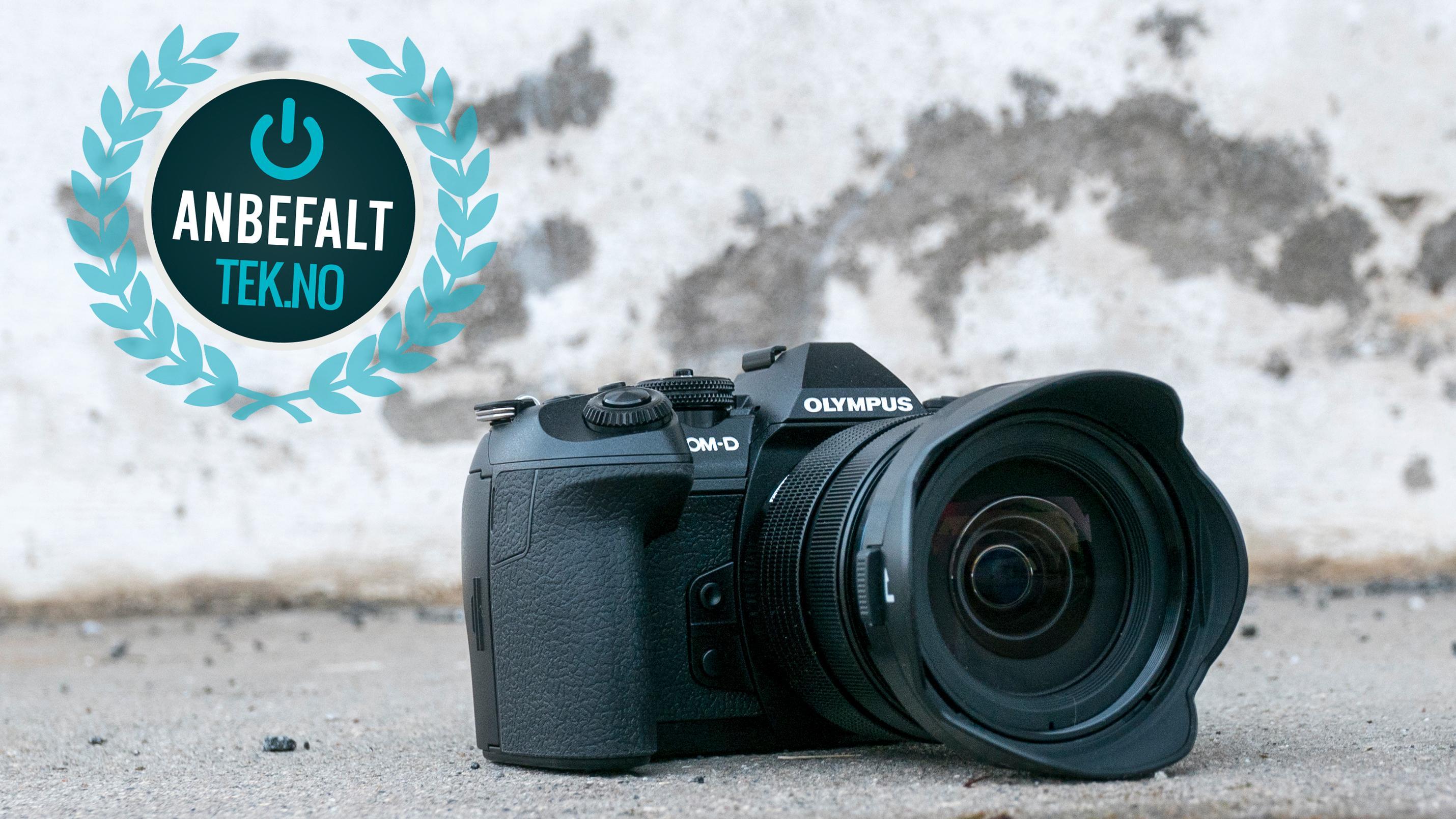 Den er en råtass, og koster deretter, og byr dessuten på langt mer enn de fleste trenger. Men for den riktige brukeren kan dette være et veldig riktig kamera.