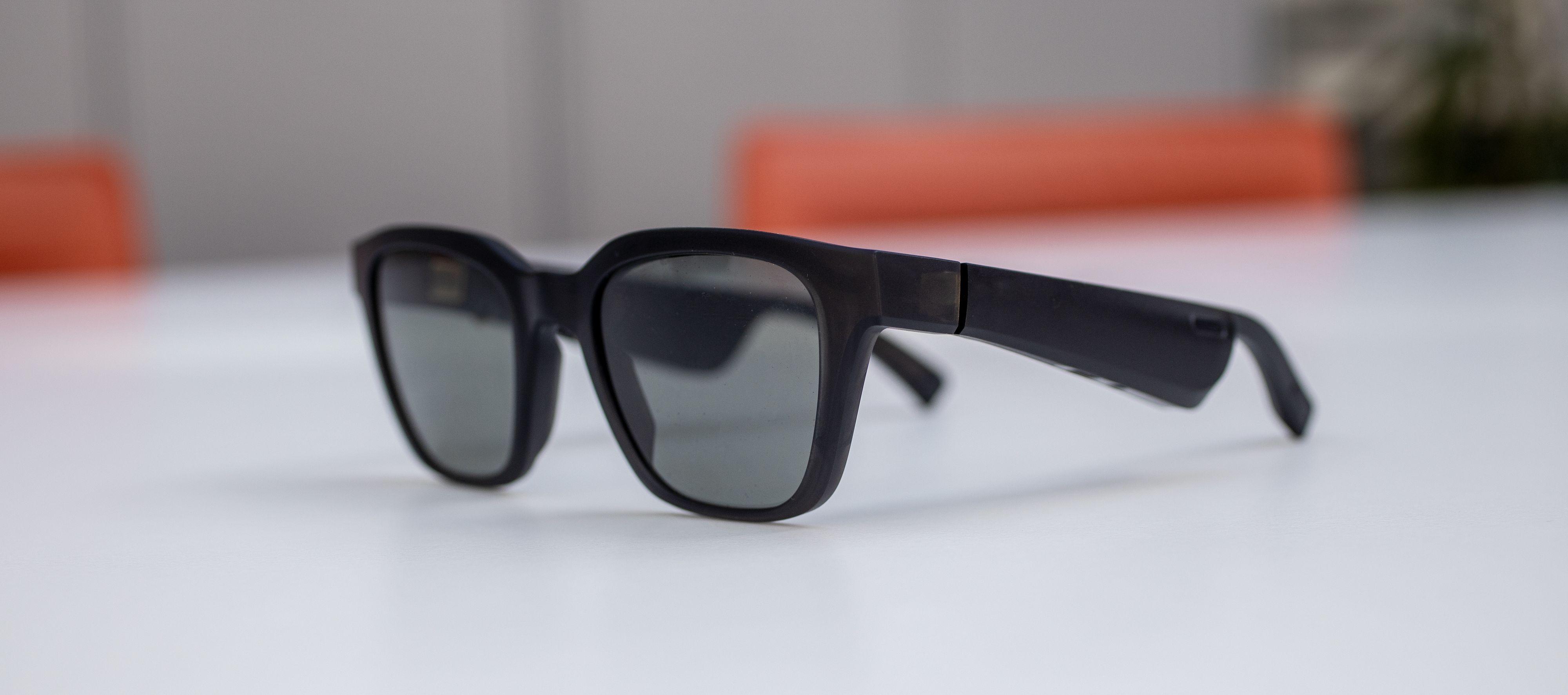 Bose Frames Alto ligner ganske mye på Ray-Ban Wayfarer.