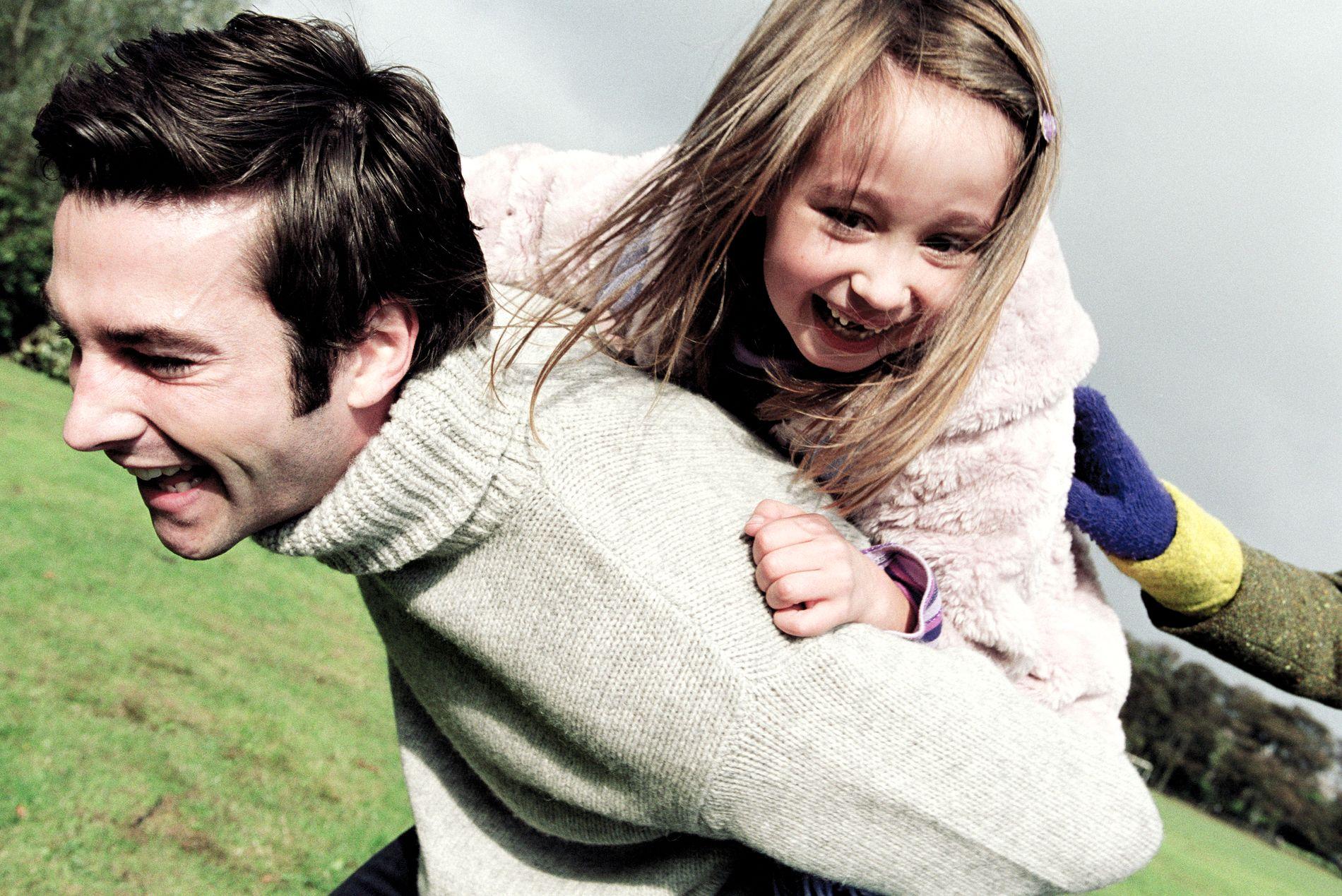Som beredskapshjem har familien omsorgen for barnet inntil en annen og mer varig løsning i fosterhjem eller institusjon er funnet, eller til barnet flytter tilbake til foreldrene sine.