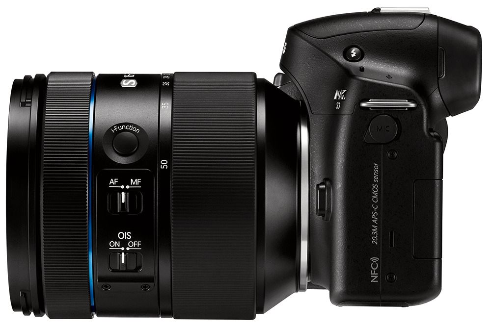 Samsung NX30 med 16-50mm F2.0-2.8
