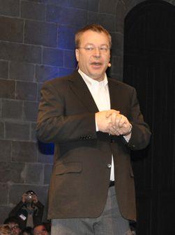Nokia-sjef Stephen Elop kan få nok å henge fingrene i fremover, om vi skal tro Gartners visepresident.