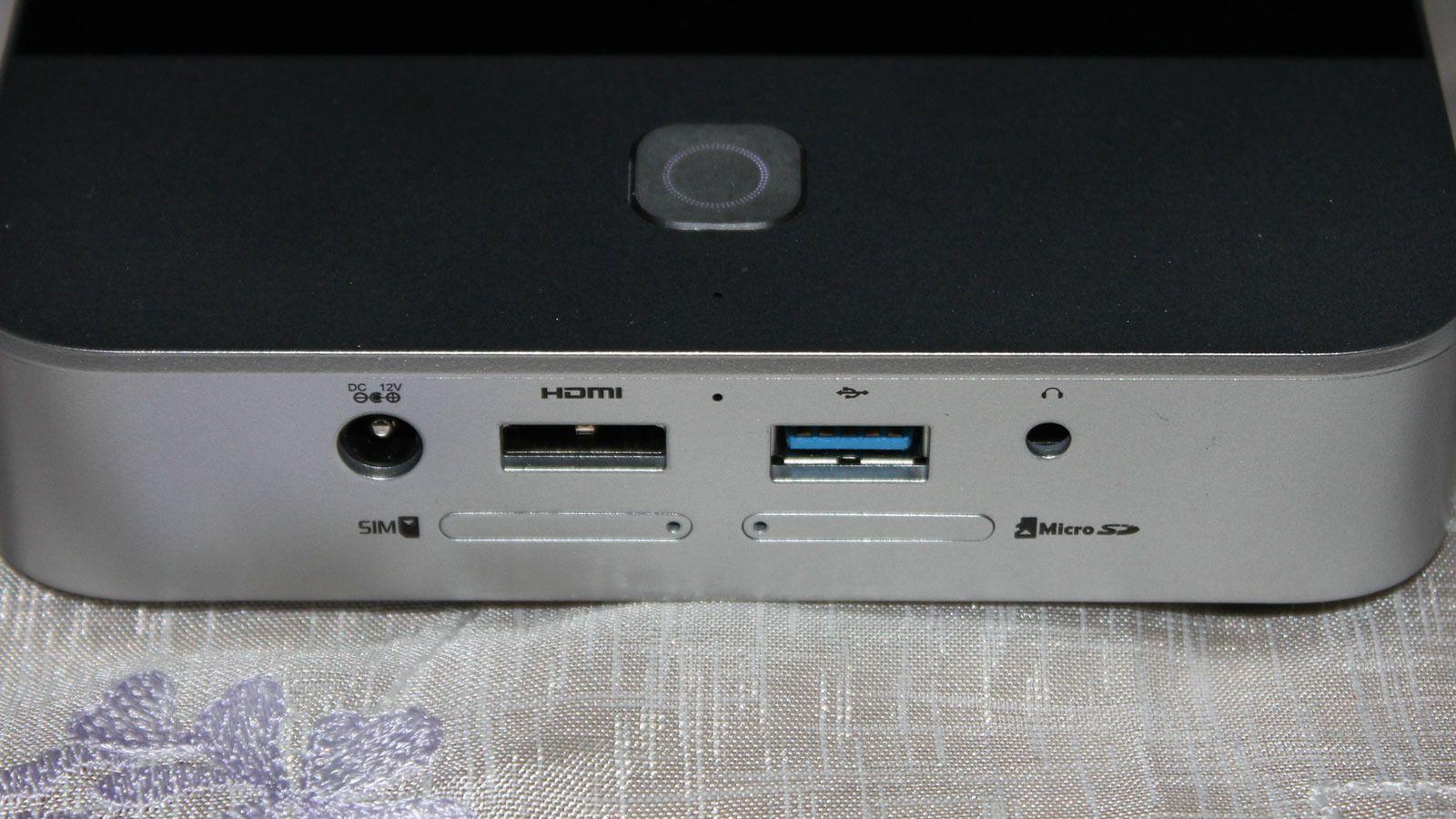 Porter er gode å ha. Du kan vise innhold fra mange ulike kilder, som HDMI, USB-minne eller minnekort. Du kan også vise eller spille av innhold rett fra skylagringstjenester. HDMI-porten er en inngang. Vil du overføre bildet fra projektoren til en vanlig TV må TV-en støtte trådløsteknologi for bildeoverføring.Foto: Espen Irwing Swang, Tek.no