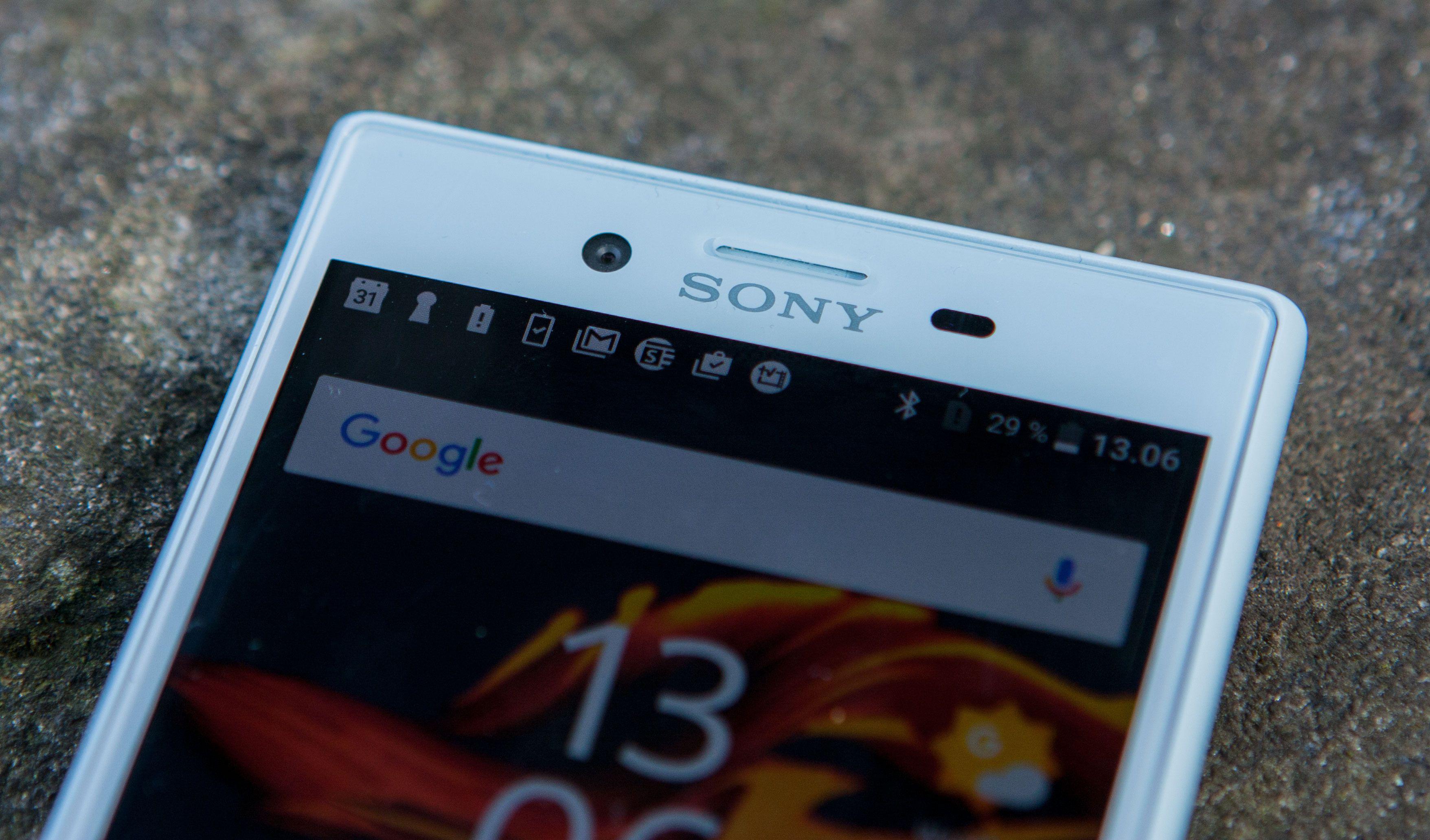 Frontkameraet har den laveste oppløsningen av alle Sony-mobiler i år, med fem megapiksler.