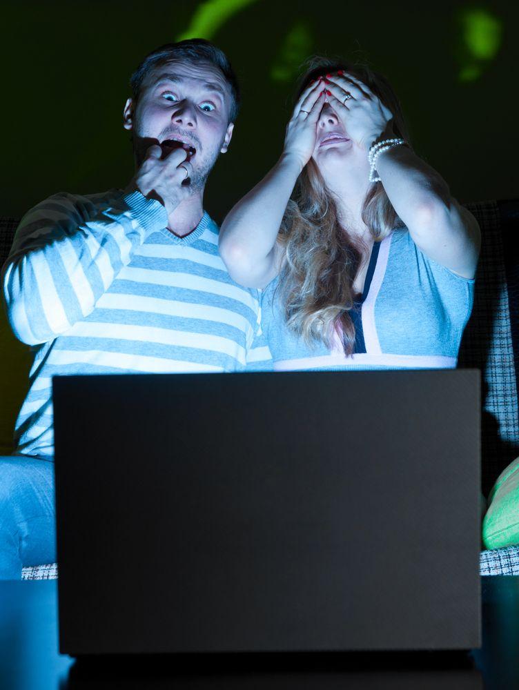 Det er kjedelig om maskinen går tom for strøm rett før filmen er slutt. Foto: Shutterstock/ Sergey Peterman