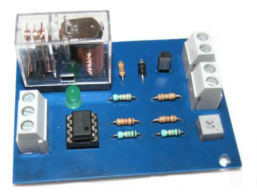 En elektronisk bryter som styres av temperaturen. Denne skal du nå lære å bygge i denne guiden.