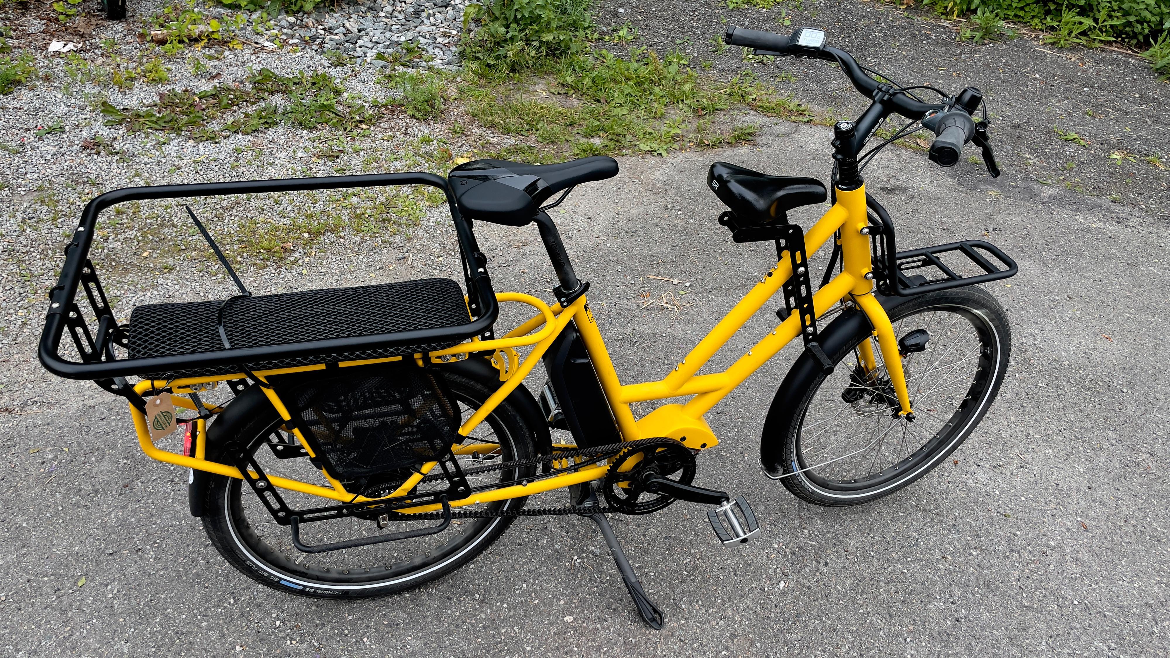 Sykkelen er liten og kompakt til å kunne frakte med seg flere. Her ser du også en del ekstrautstyr som står beskrevet lenger ned i testen.