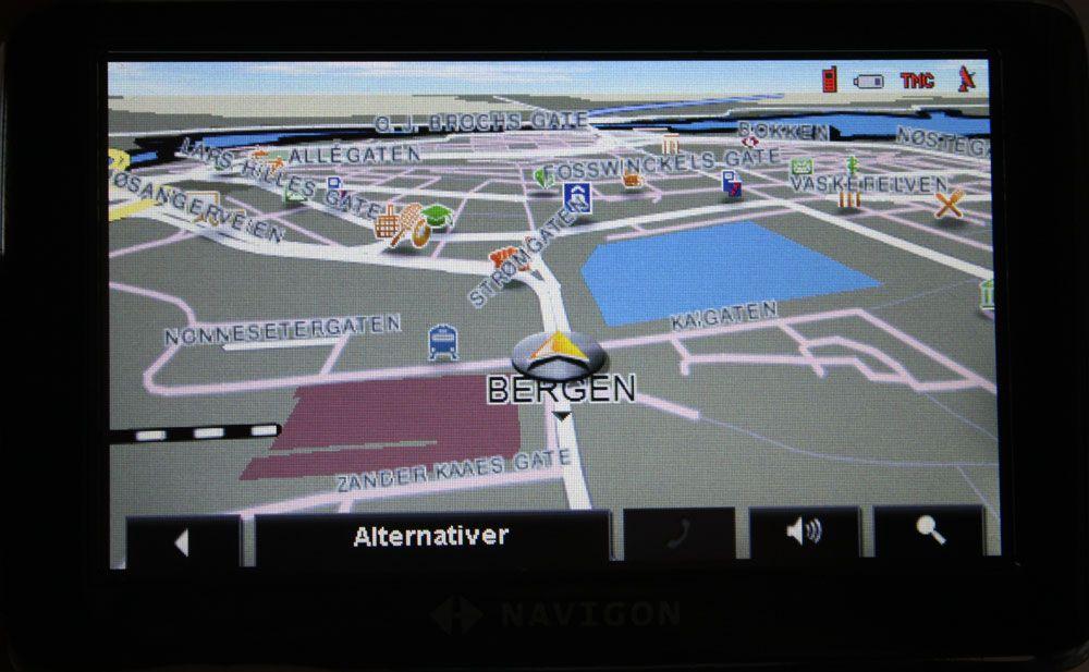 En frittstående GPS gir god oversikt. (Her: Navigon 4350 Max)