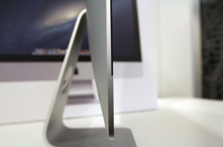 Jada, den er tynn, men ikke SÅ tynn...Foto: Vegar Jansen, Hardware.no