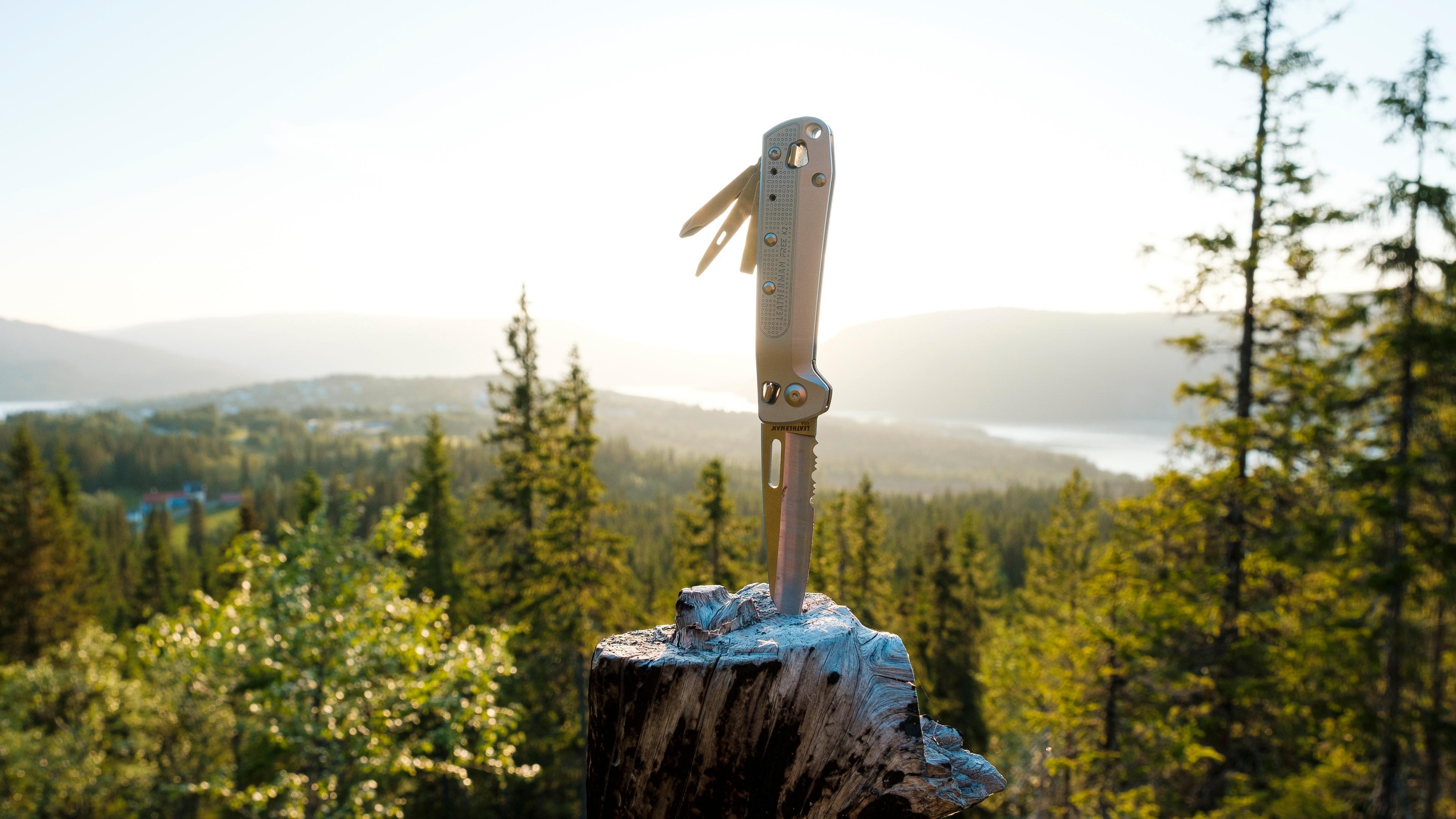 Leatherman Free K2, i dette tilfellet K2X-utgaven med taggete knivblad