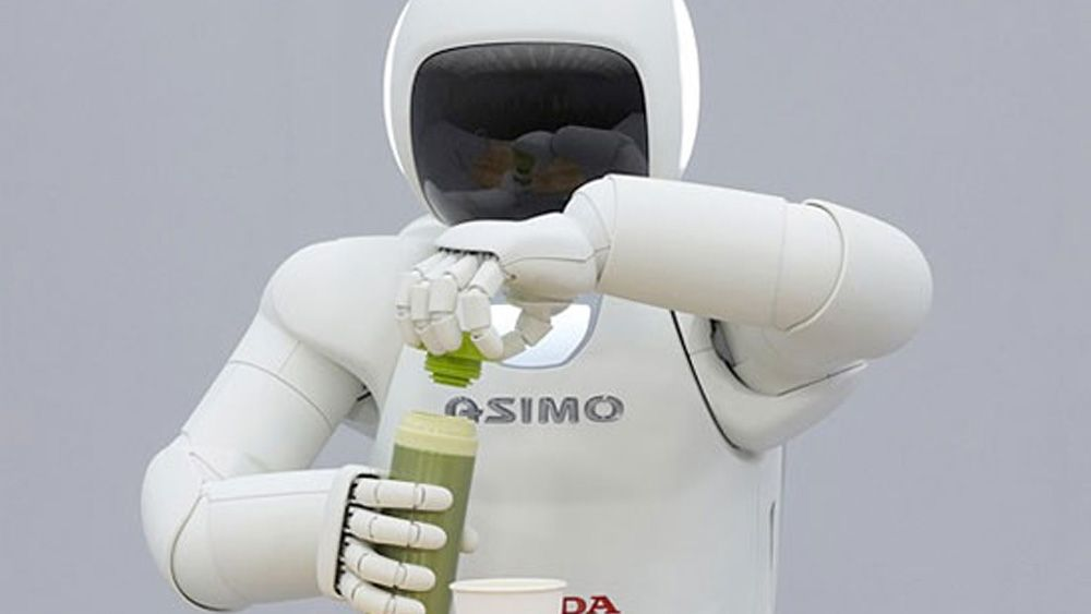 Smart robot serverer øl
