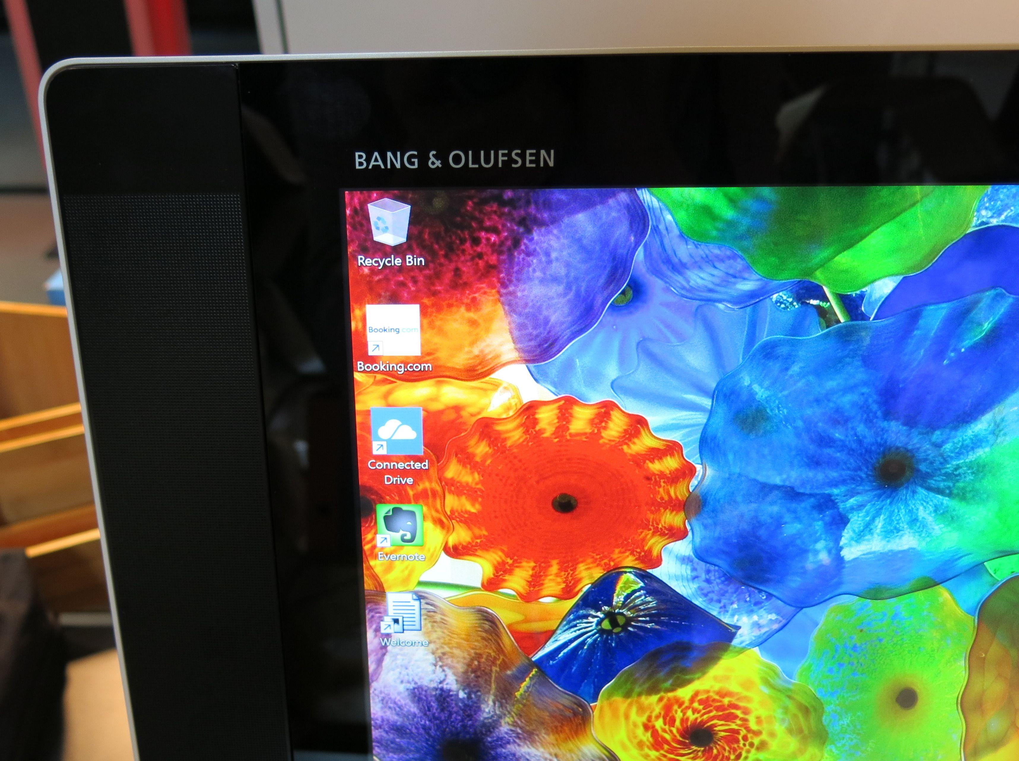 Bang & Olufsen står for lyden i høyttalerne, som bygger godt ut på hver side av skjermen og teller fire i antall på denne Envyen. Foto: Anders Brattensborg Smedsrud, Tek.no
