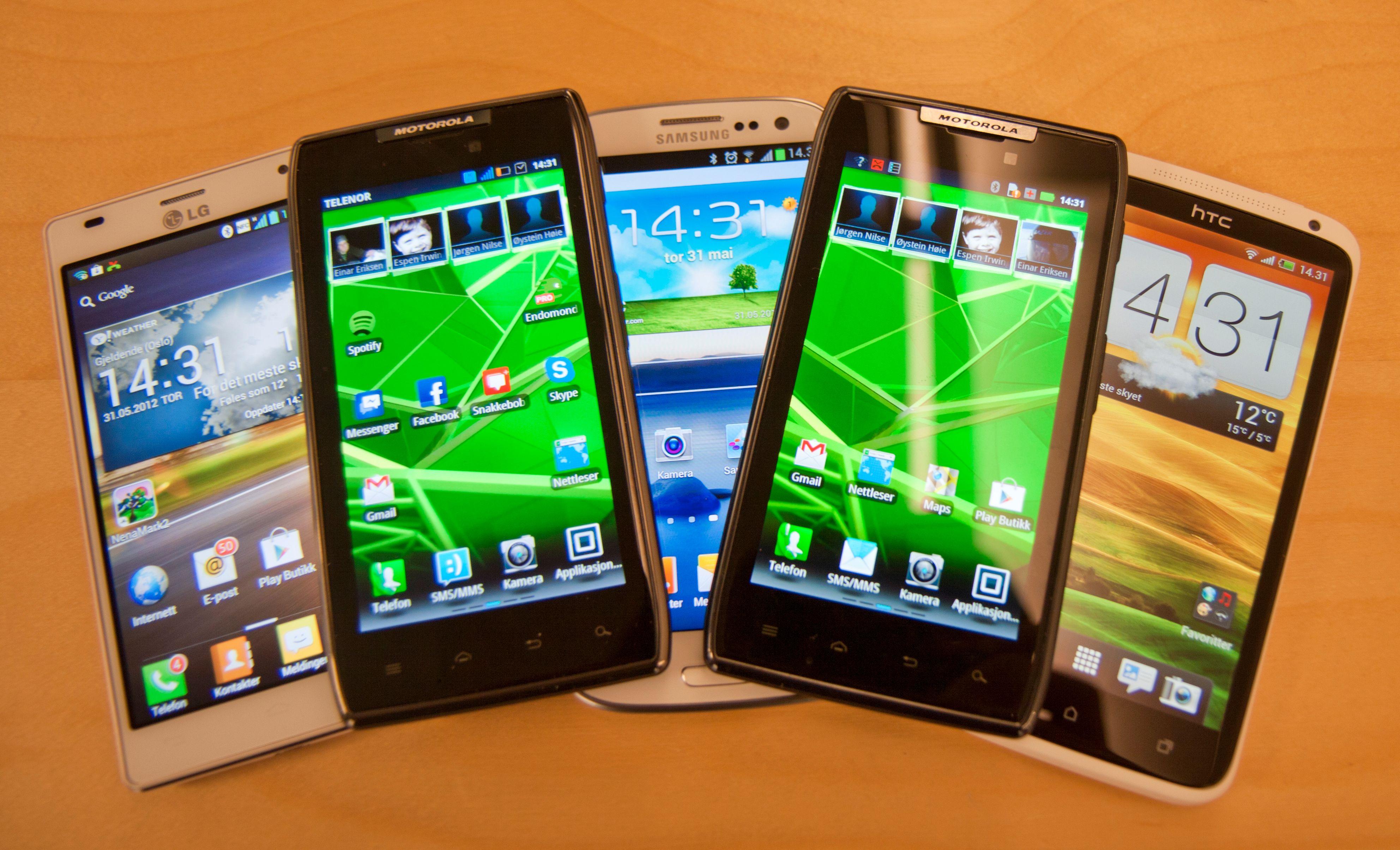 Det fins tre mobiler å velge i om du vil ha rå ytelse og det siste innen skjerm- og kamerateknologi. Vil du ha en vannavstøtende Android-telefon med gigantbatteri har du kun ett valg.