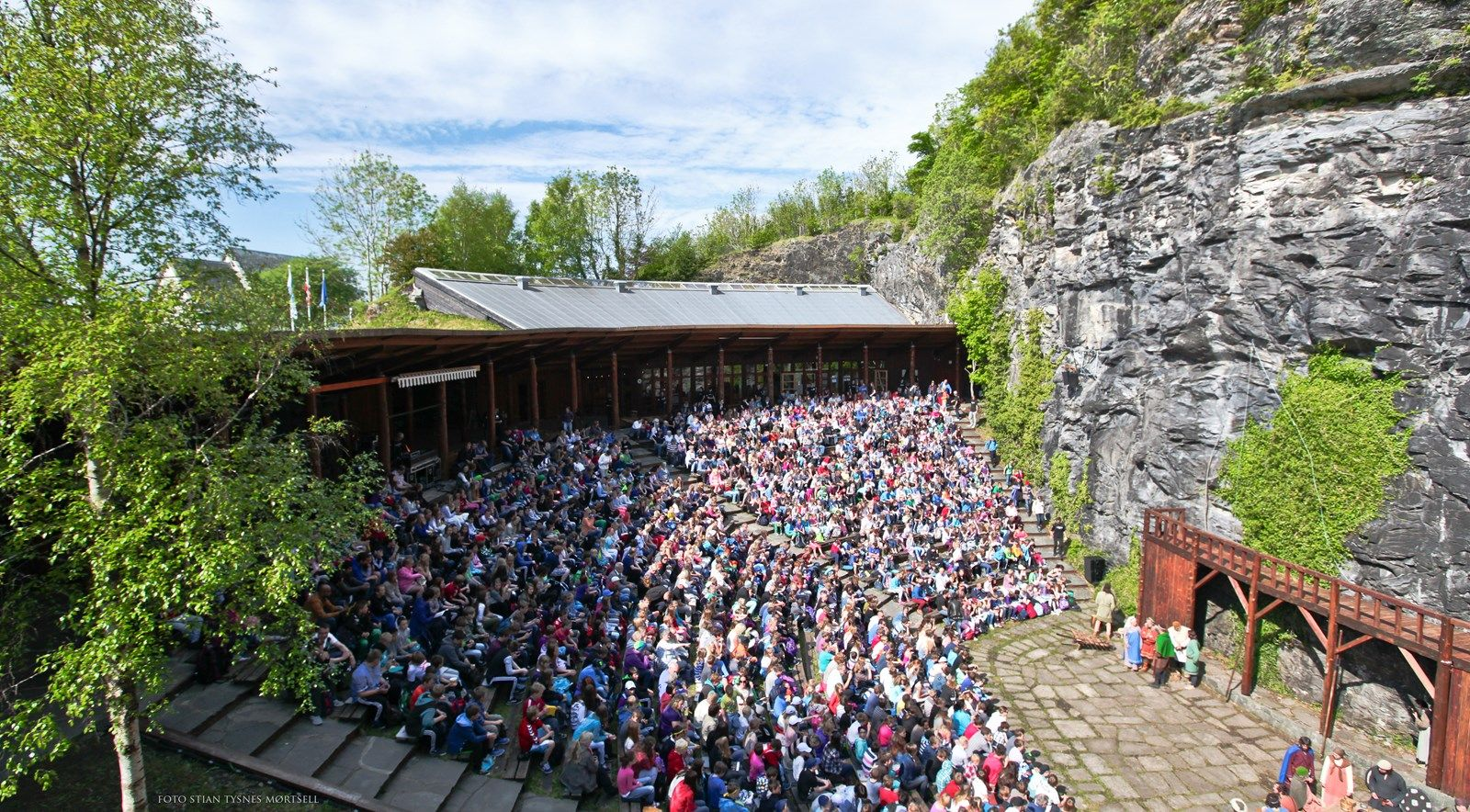 Mostraspelet har siden 1984 vært den folkelige tittelen på Hegglands stykke «Kristkongane på Moster».
