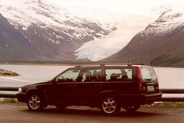 En av Amundsens tidligere dekningsbiler.