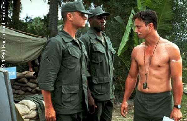 Lt. Dan er en av filmens mest interessante karakterer.
