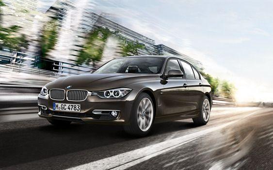 Tesla Model 3 forventes å havne i samme pris- og størrelsesklasse som BMW 3-serie. Foto: BMW