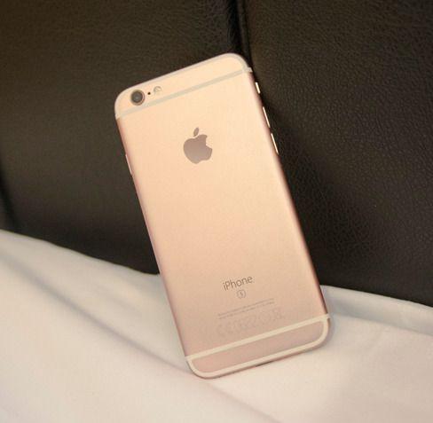 Dette er Apples iPhone 6S, som etter sigende er hovedgrunnen til at Samsung fremskynder lanseringen av Galaxy S7. Foto: Finn Jarle Kvalheim, Tek.no