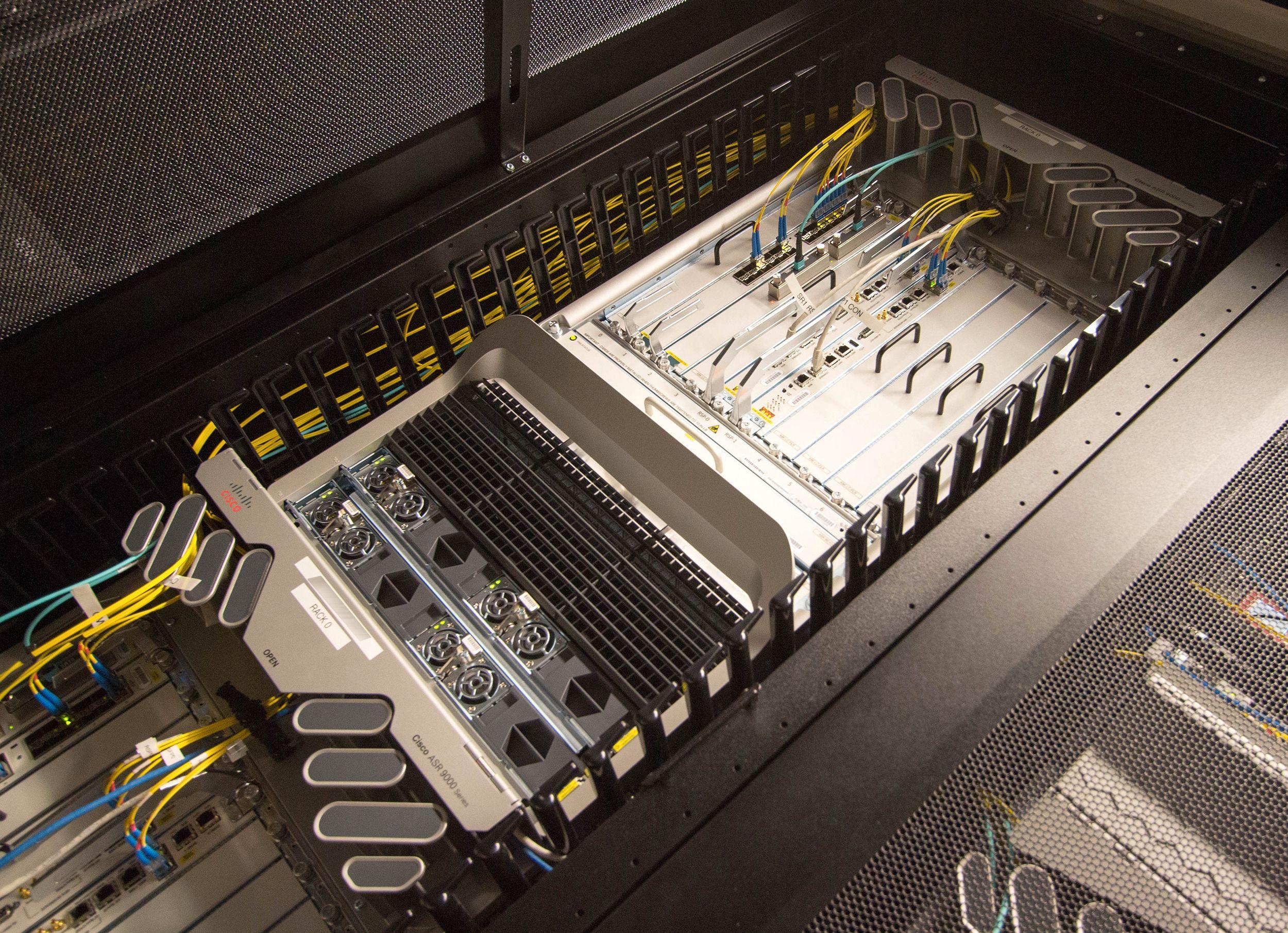 Cisco ASR 9000.