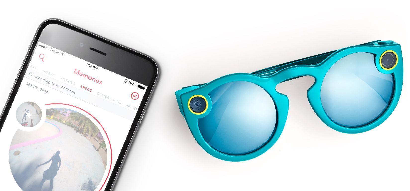 Brillene kobles til mobilen trådløst og tar opp video i rundt format.