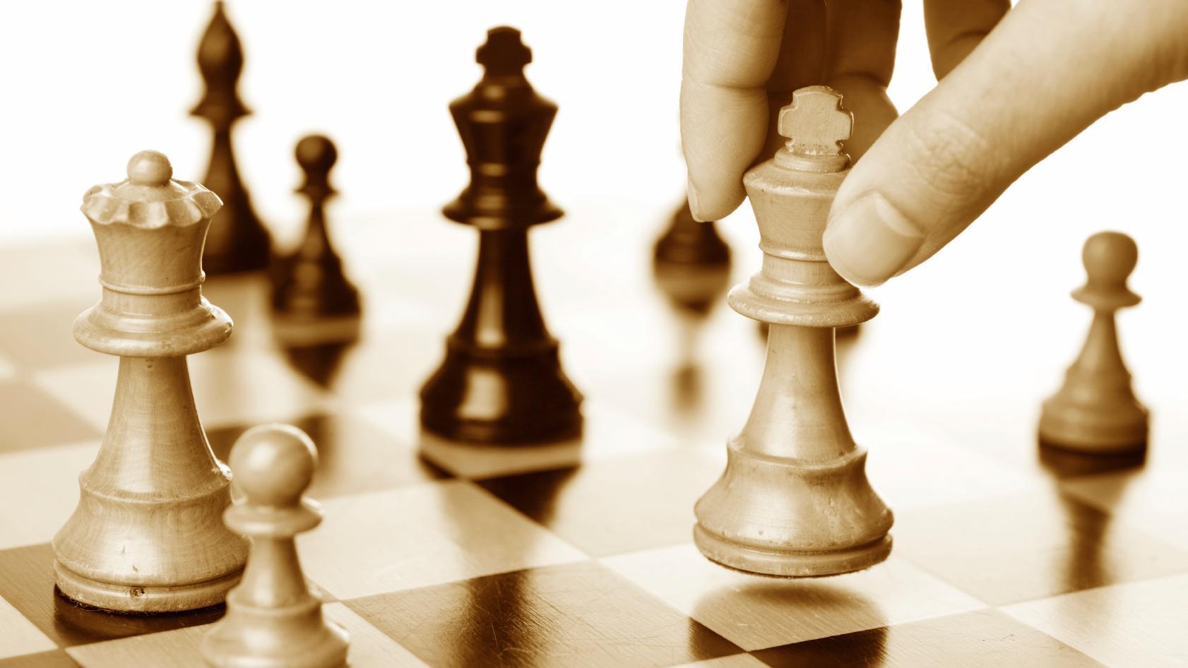 - Chessbeholder fargene
