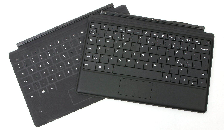 Touch Cover til venstre, Type Cover til høyre.Foto: Vegar Jansen, Hardware.no