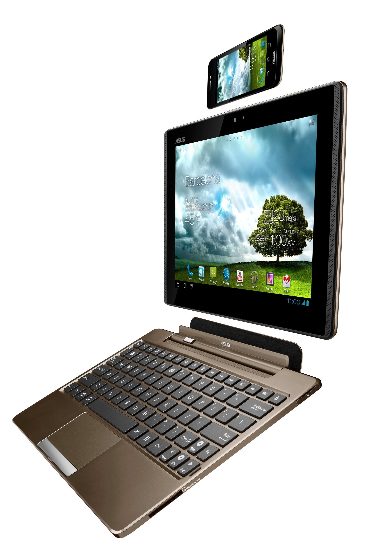 Et komplett PadFone-sett består av tre deler som kobles sammen, i tillegg til en skjermpenn.