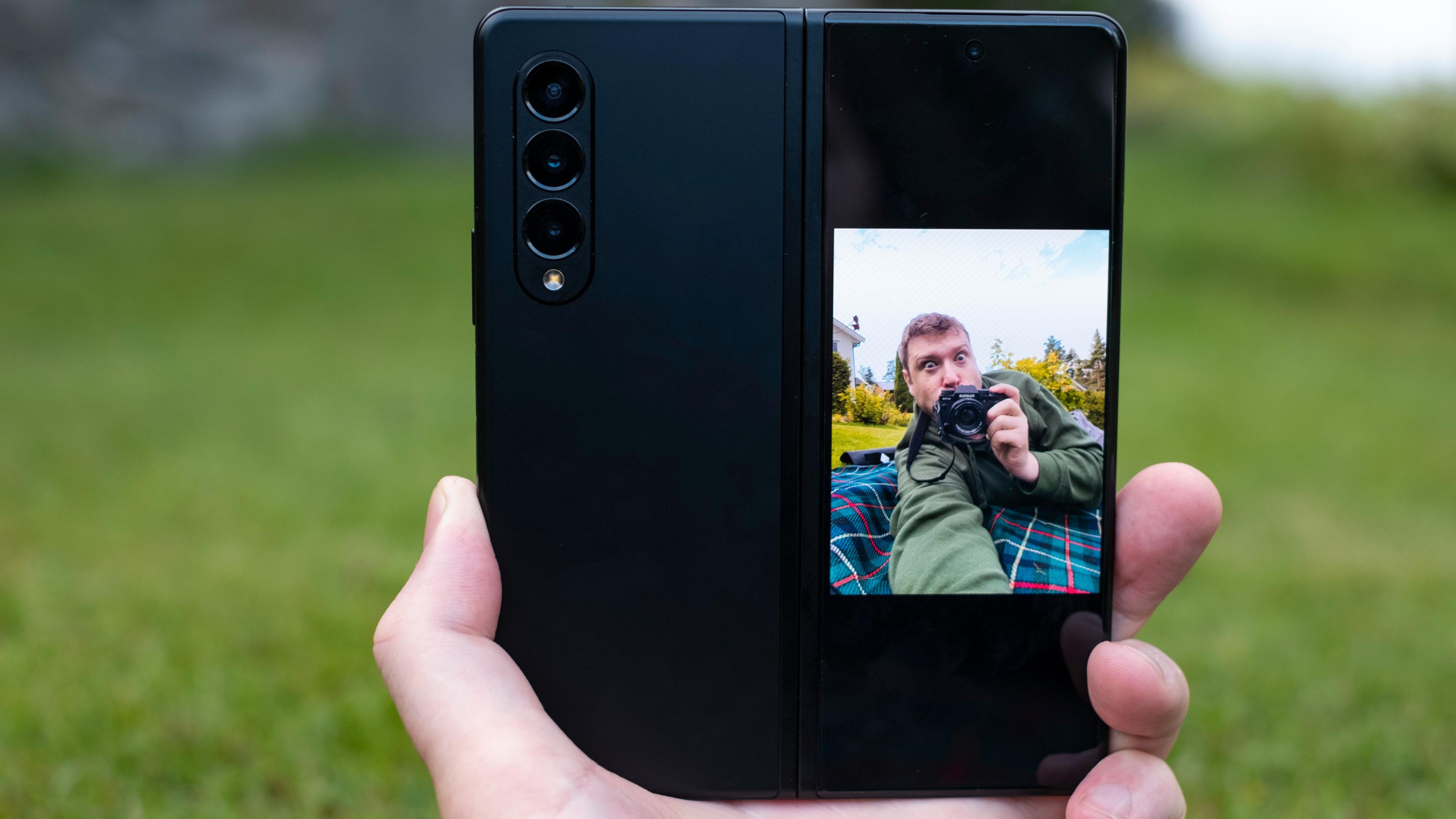 Egentlig trenger ikke Fold 3 selfiekamera for selvportrettenes del - siden du uansett alltid kan bruke de langt bedre ytterkameraene. Selfiekameraene er langt mer nyttige til videosamtaler og liknende.