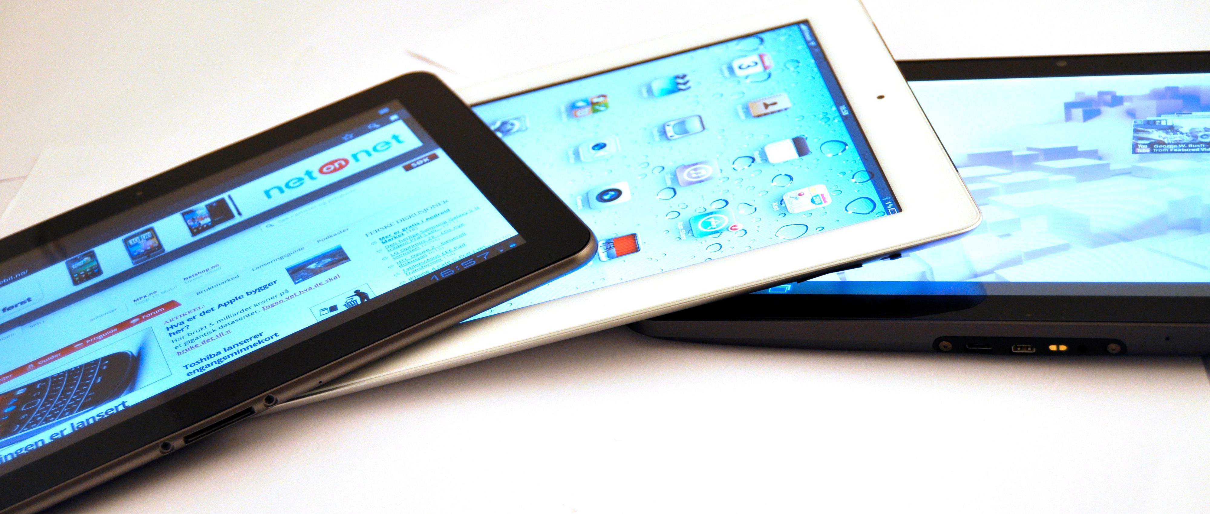 Fra venstre: Samsung Galaxy Tab 10.1, Apple iPad 2 og Motorola Xoom. Xoom er den tykkeste og tyngste av de tre.