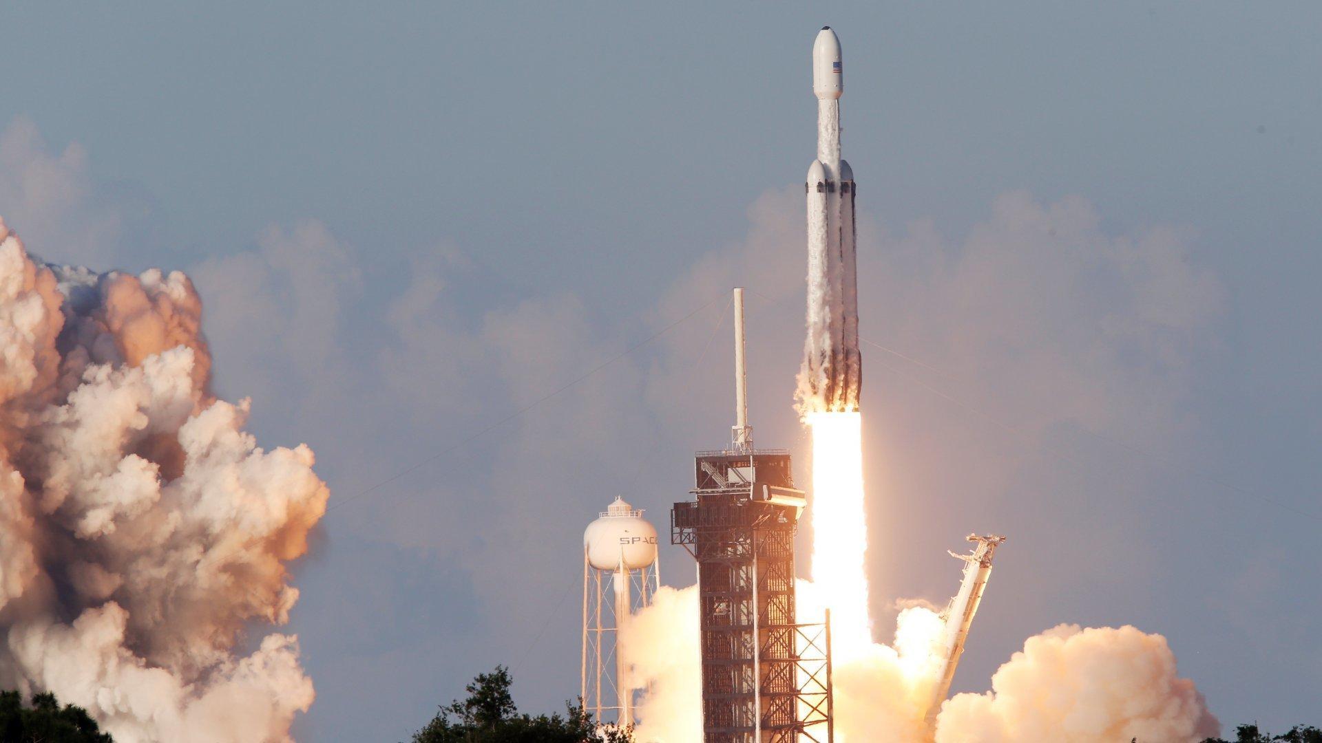 Vellykket Falcon Heavy-oppskyting