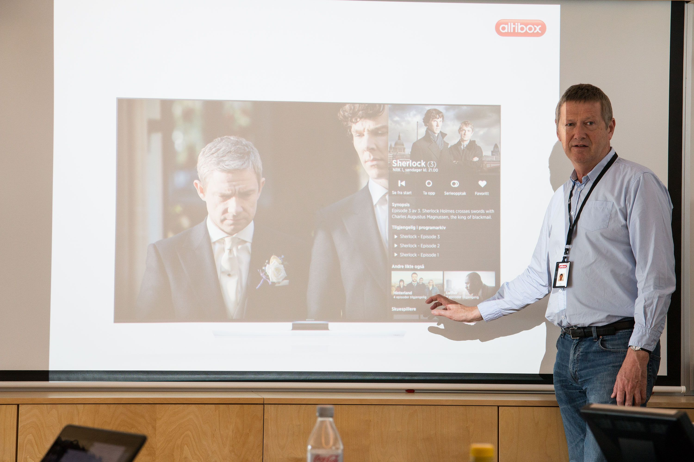 Altibox' leder for underholdning, Sven Aronsen, viser frem den nye portalen. Foto: Jørgen Elton Nilsen, Hardware.no