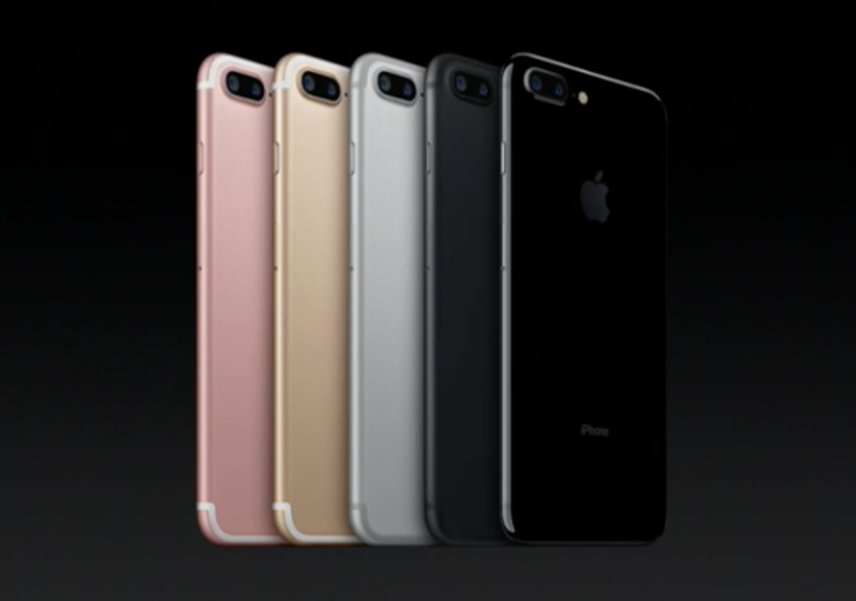 iPhone kommer nå i fem utførelser.