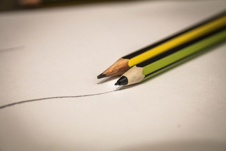 Okay, vi innrømmer det, det var ikke den grønne blyanten som tegnet streken på papiret.