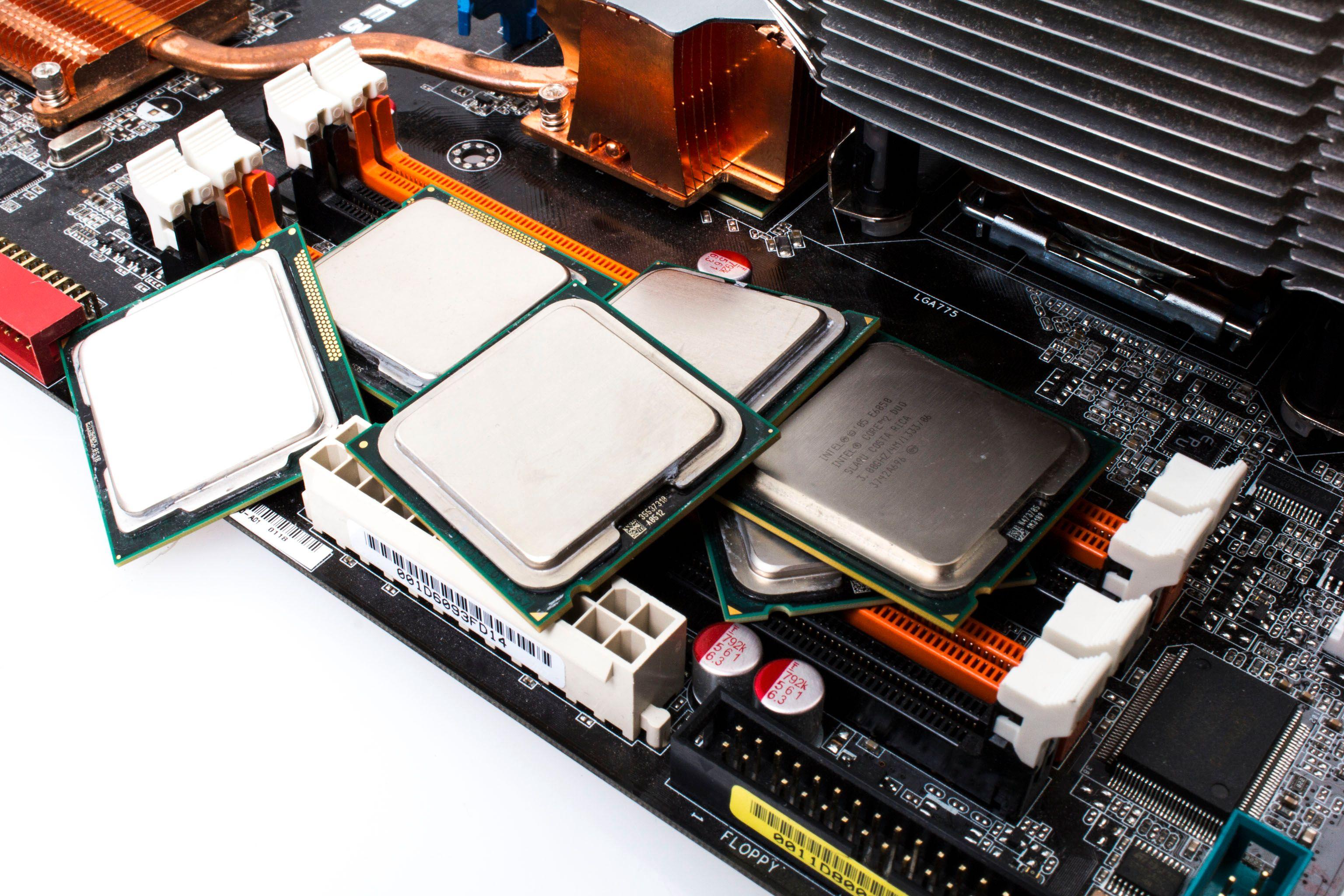 Det har blitt en del prosessorbytting underveis i jakten på den beste oppgraderingen for spill.Foto: Varg Aamo, Hardware.no