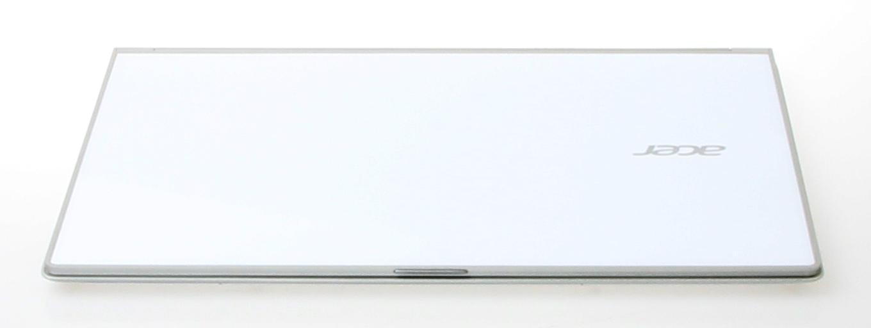 Utførelsen er i hvit plast under Gorilaglass 2-dekket. En aluminiumsramme kommer akkurat til syne rundt maskinen.Foto: Anders Brattensborg Smedsrud, Hardware.no