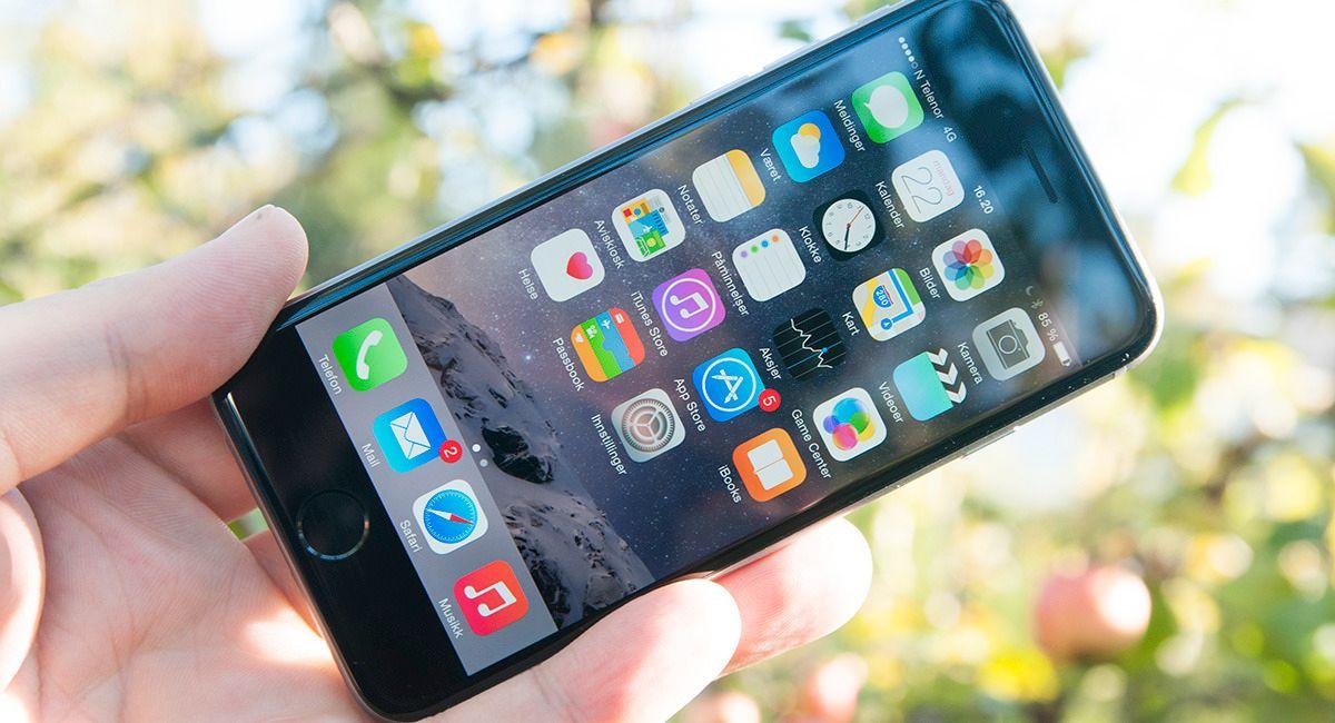 Apple bekrefter at de gjør eldre iPhoner tregere om de har svakt batteri