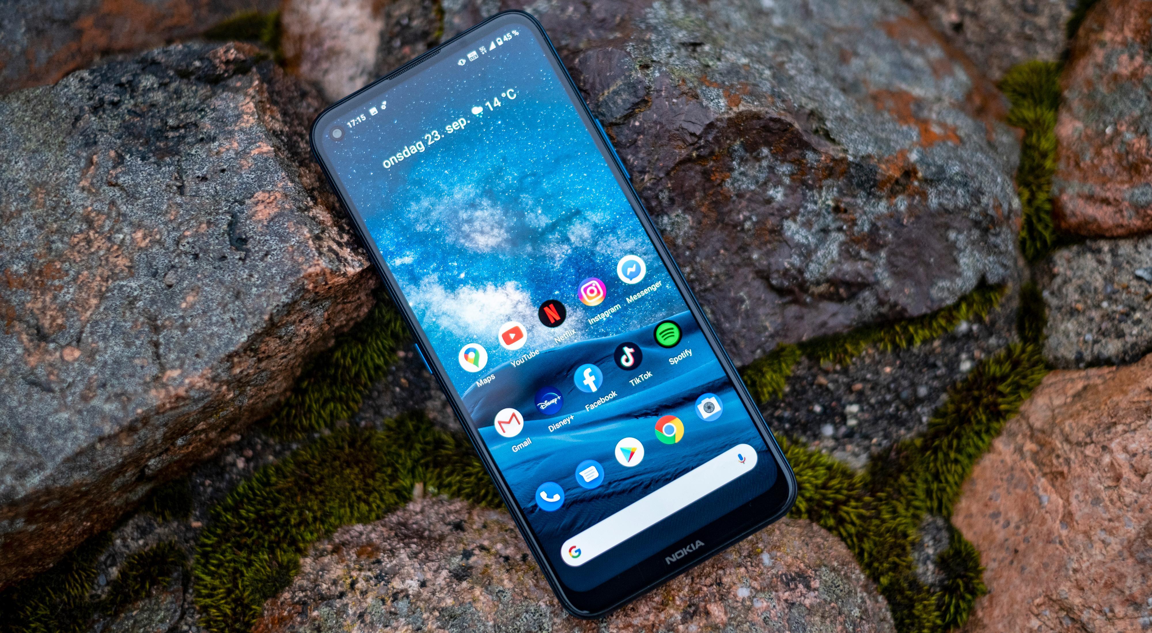 Til 7–8 tusenlapper får kan vi få toppspesifiserte mobiler fra andre leverandører. Spesielt OnePlus 8 og Samsung Galaxy S20 er aktuelle kandidater. Vi hadde kanskje håpet på at Nokia 8.3 i det minste var tett for tusenlappene opp fra klassen konkurrentene er i - men det er den ikke. Grunnleggende værtetting ser den imidlertid ut til å ha likevel.