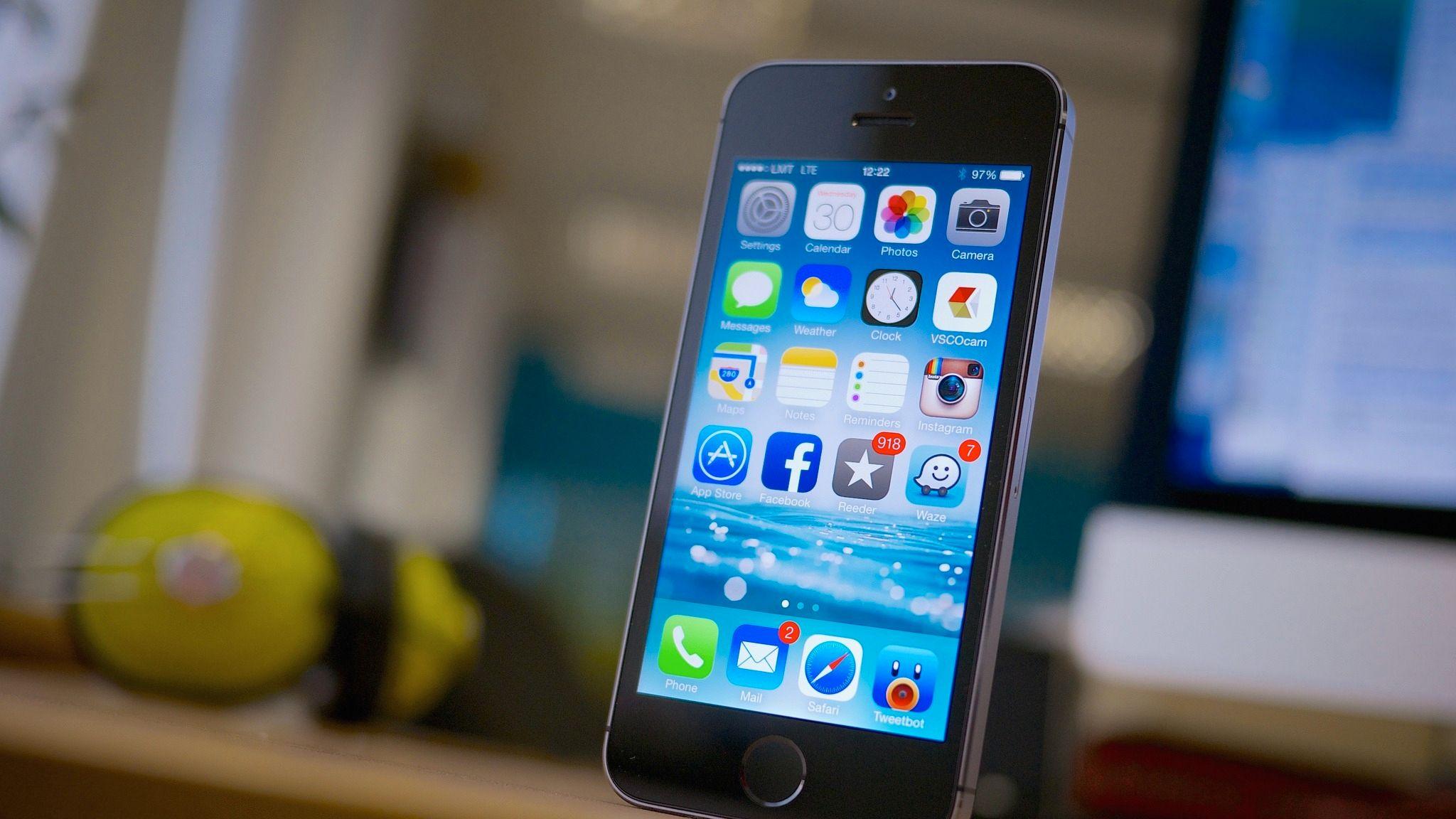 iPhone 5S skal visstnok holde fortet også neste år. Foto: Flickr/Karlis Dambrans