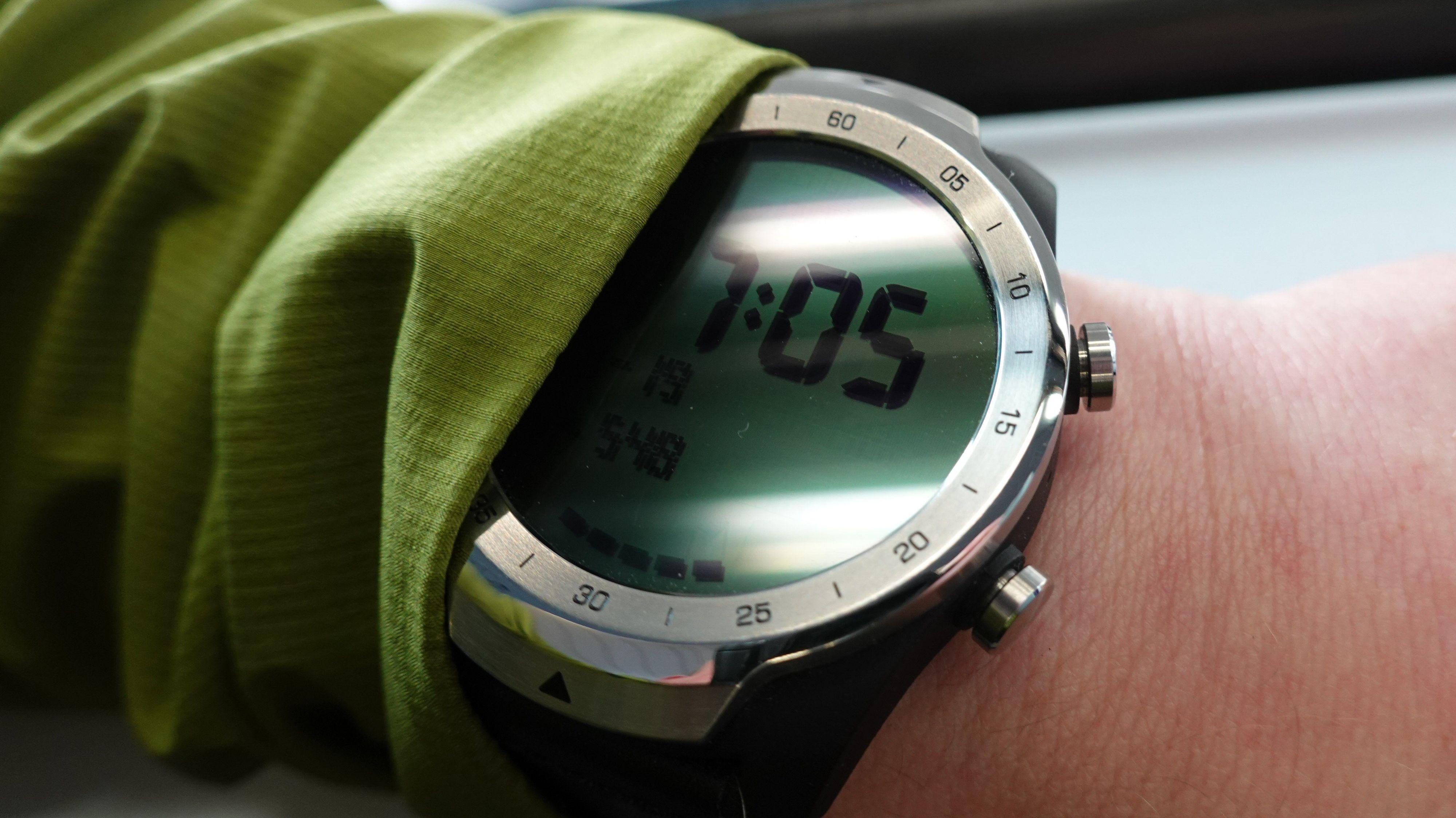 LCD-skjermen holder lenge når du bare vil vite hva klokka er.