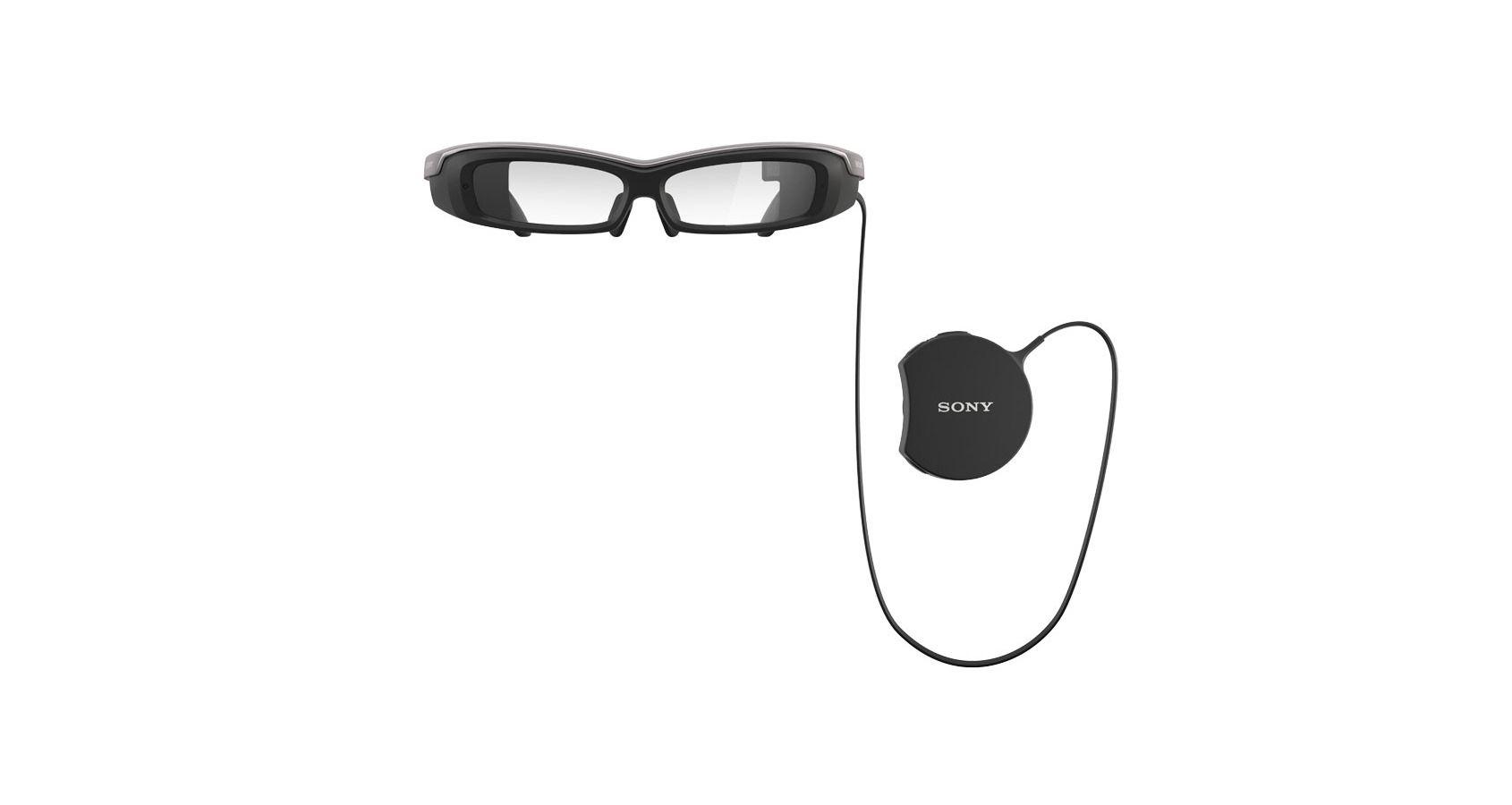 Brillene og kontrolleren. Foto: Sony