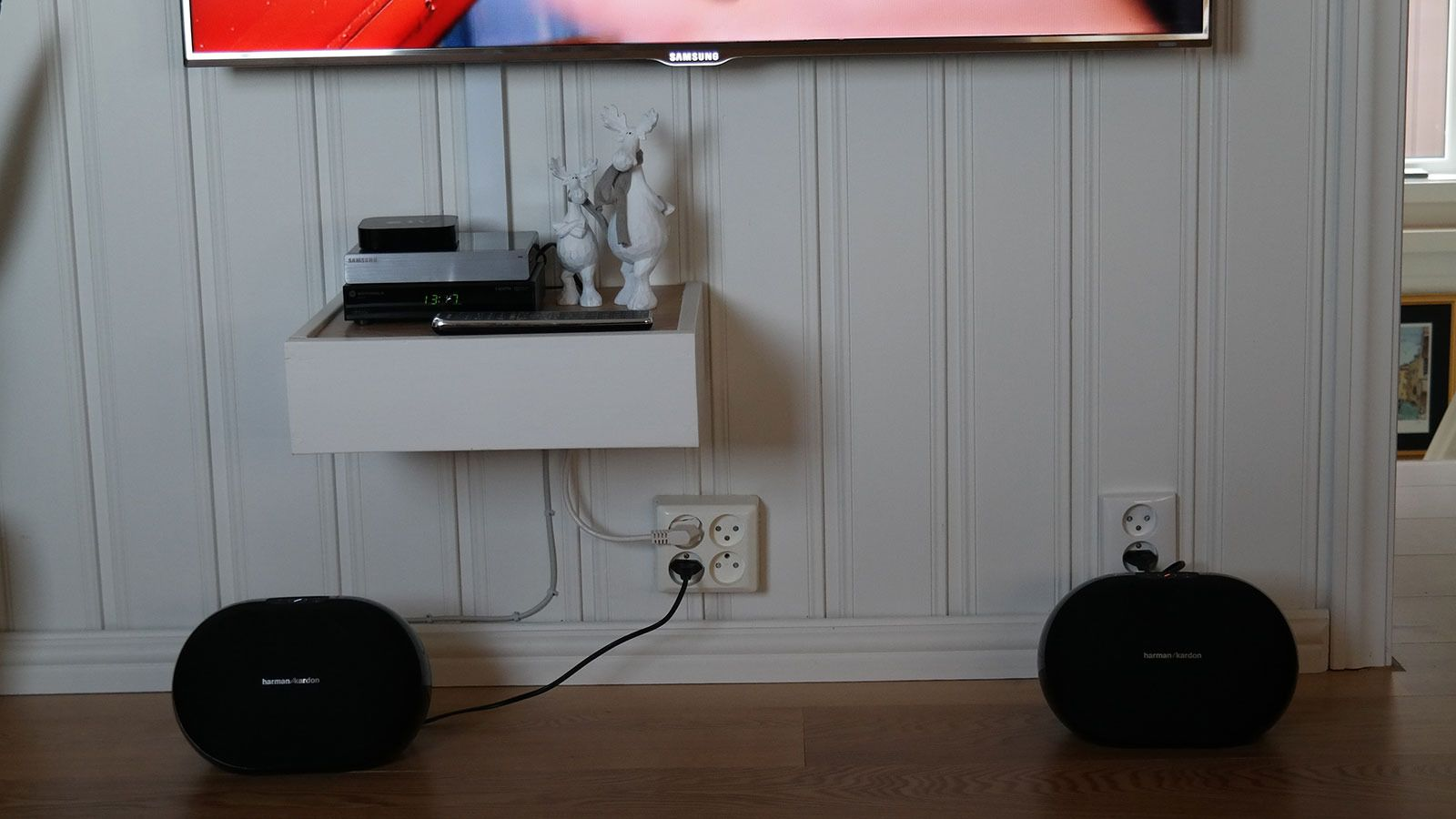 Du kan bruke to høyttalere som stereopar. Foto: Espen Irwing Swang, Tek.no