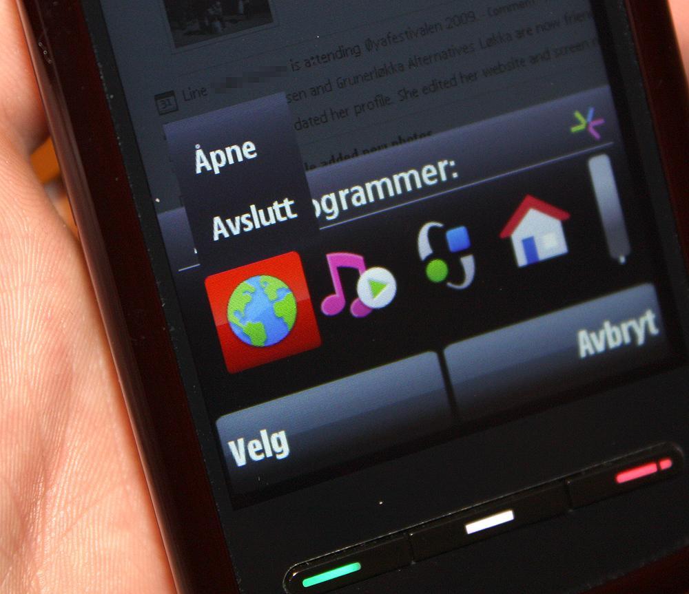 Oppgavebehandleren lar deg avslutte programmer ved å holde en finger over ikonet.