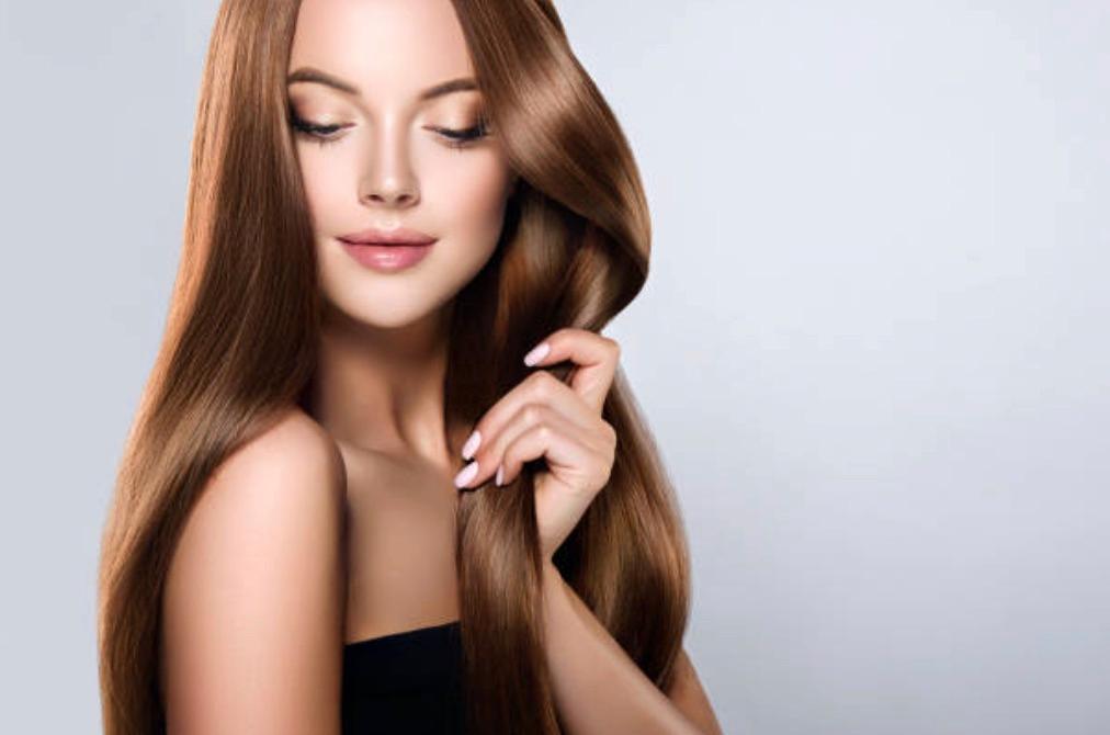 Bild på kvinna med långt hår