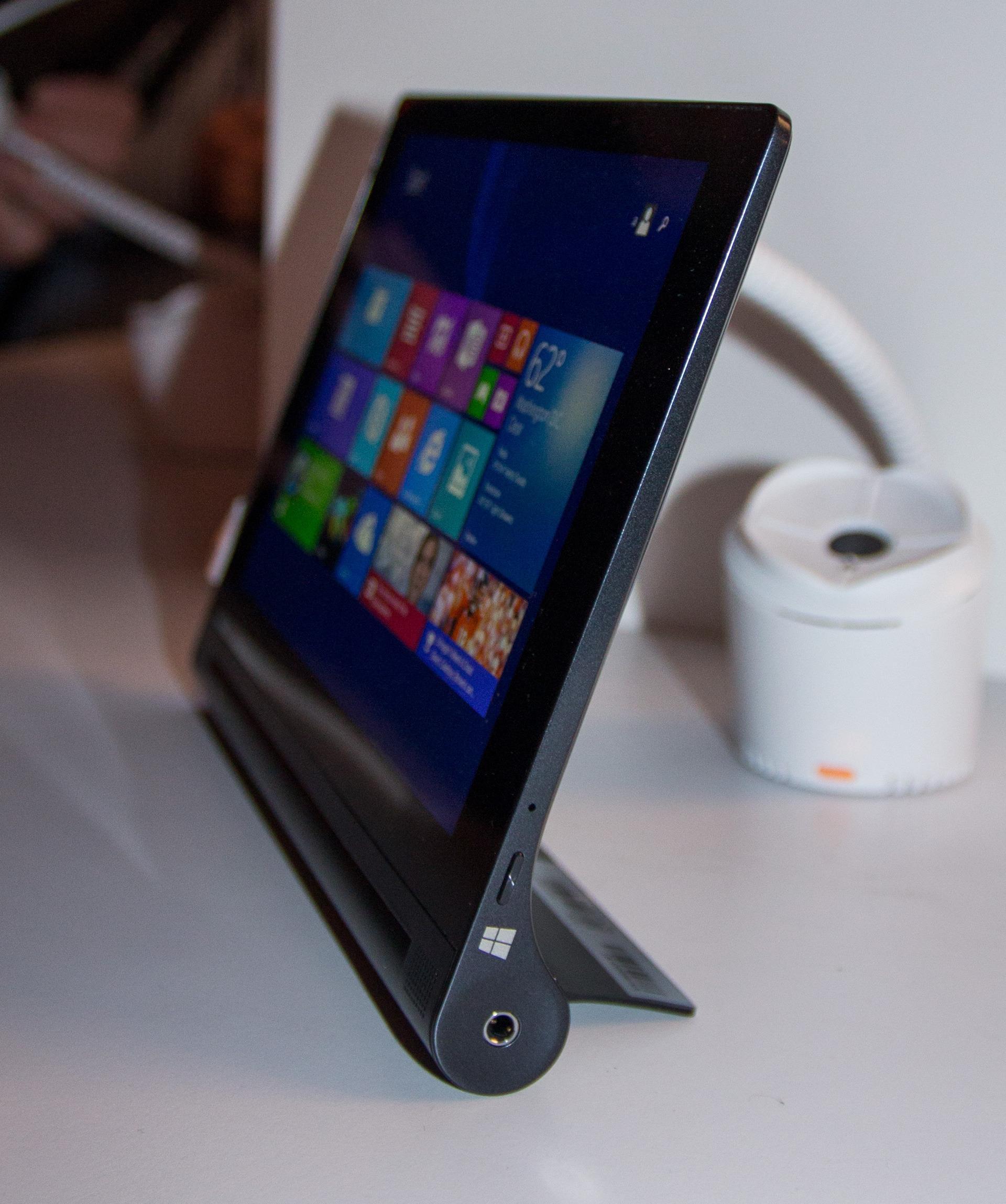 Windows-modellene av Tablet 2 kommer i sort utførelse.