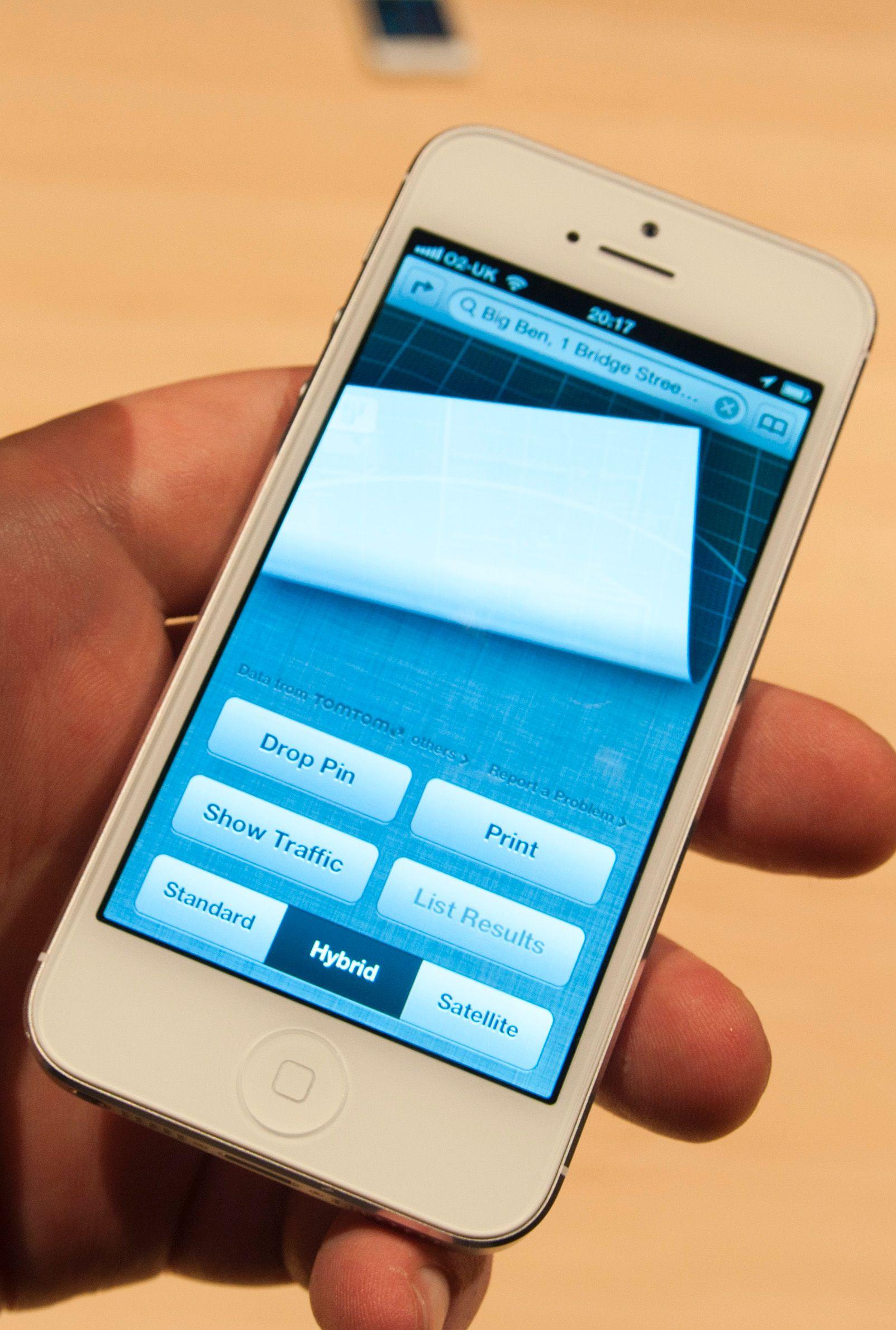 GPS-produsenten TomTom leverer trafikkdata til Apples kartapplikasjon.