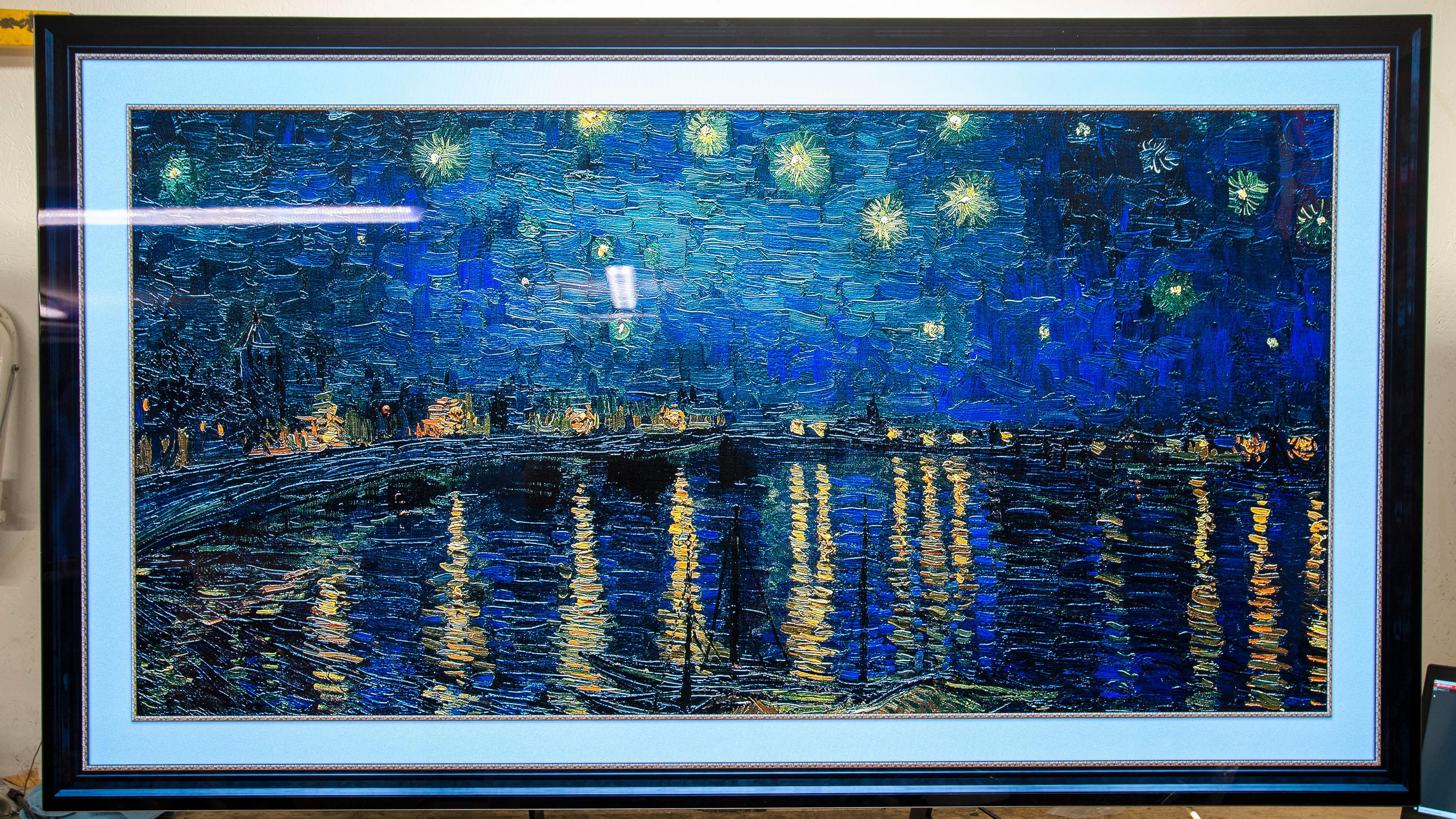 Gallerimodusen gir deg mulighet til å bruke TV-en til å vise kunst når du ikke ser vanlig TV.