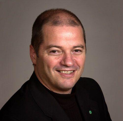 Daværende olje- og energiminister Odd Roger Enoksen fikk Norges Forskningsråd til å starte utredningen av mulighetene og risikoene thorium i kjernekraft har å by på.Foto: Stortingsarkivet