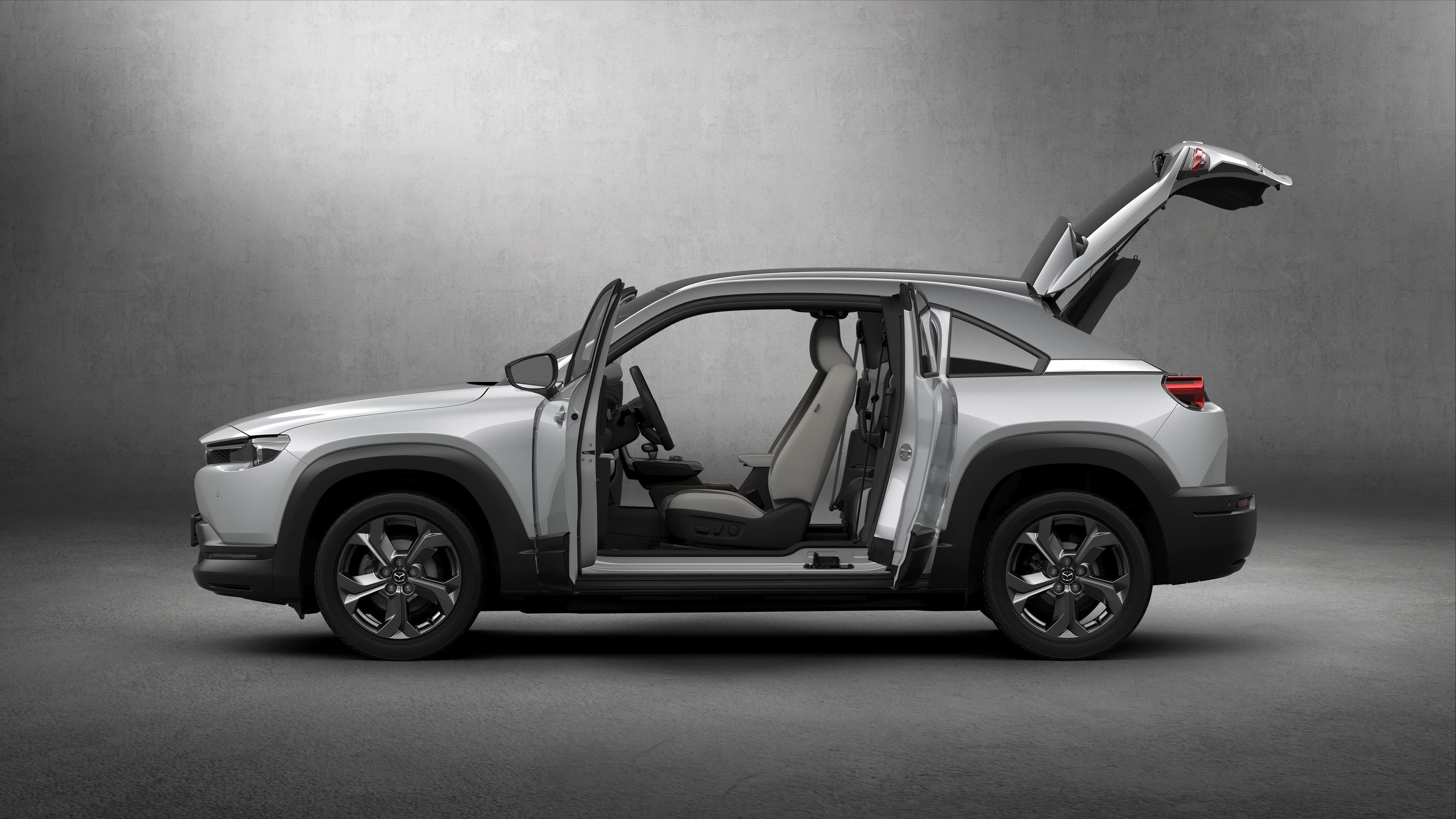 «Freestyle»-dører, kaller Mazda dem.