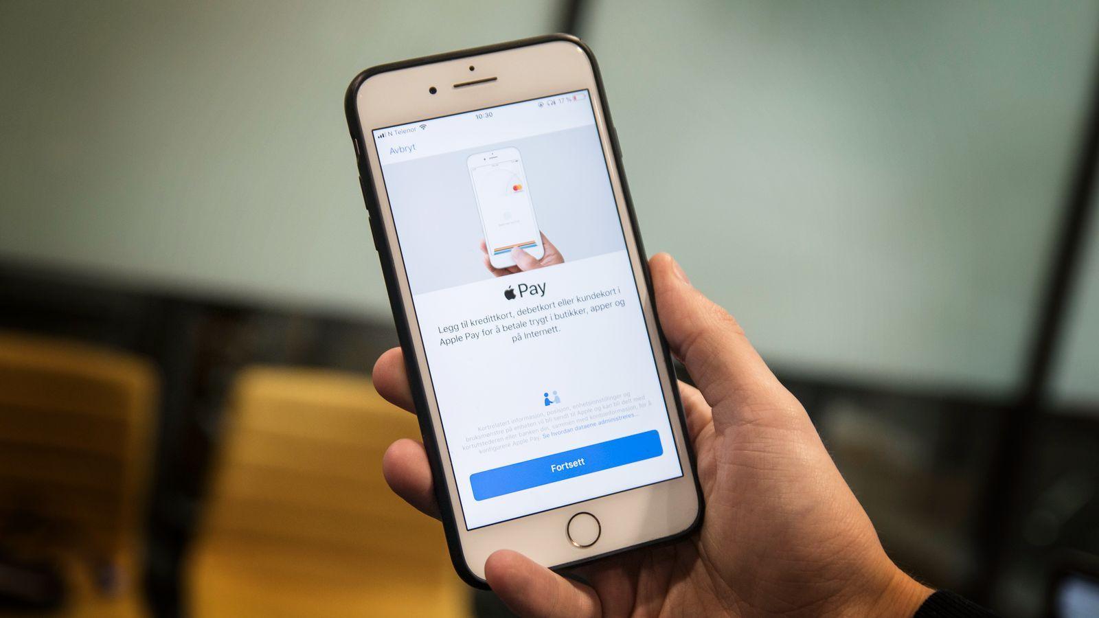 «Kontaktløse» betalingskort krever at du legitimerer deg med kode. Mobilen din vet allerede hvem du er når du holder den inntil betalingsterminalen. Å modernisere måten du betaler kan motvirke smitte.