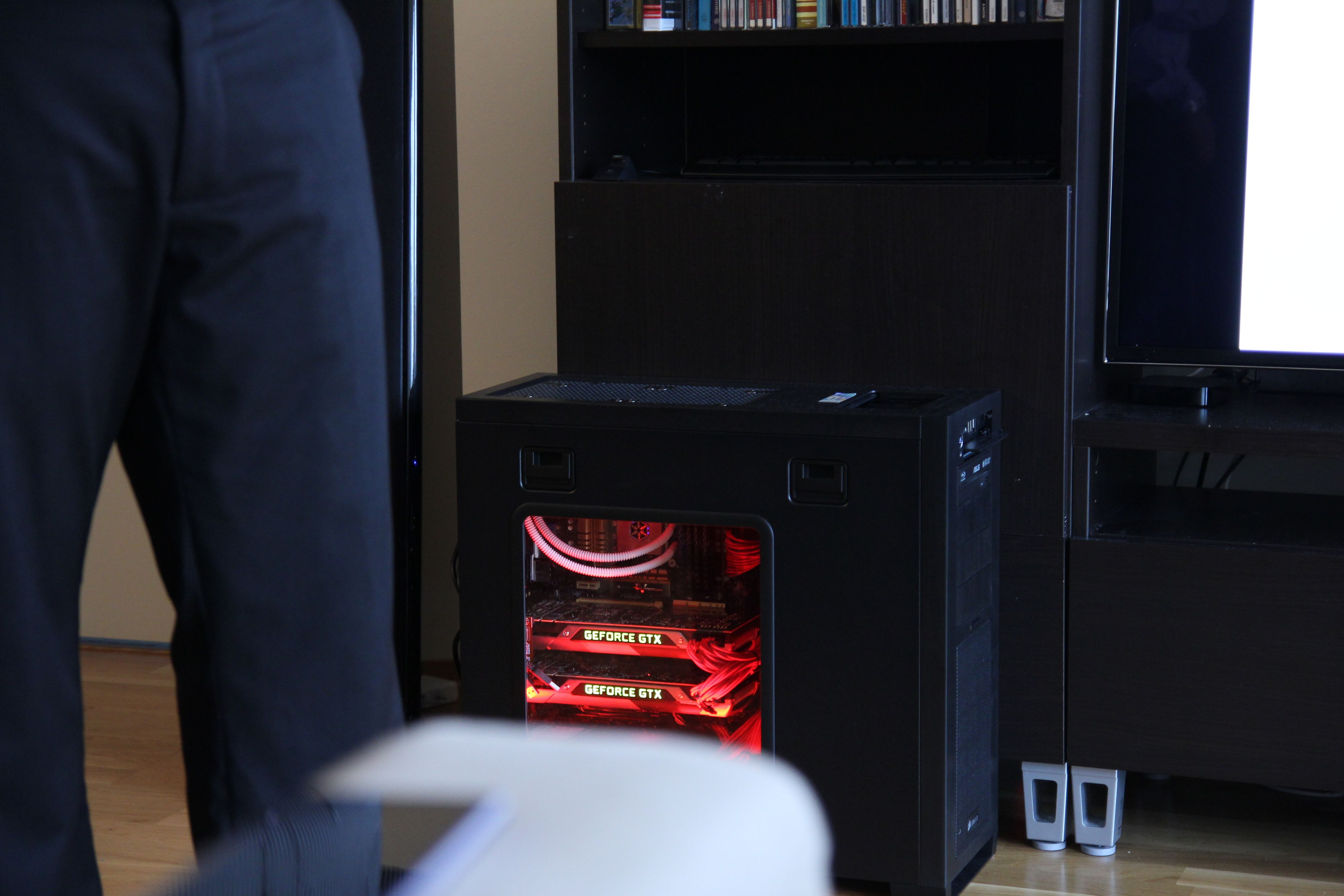 Kraftig PC må til for å kjøre 4K-demoen vi fikk se. .Foto: Ole Henrik Johansen / Hardware.no